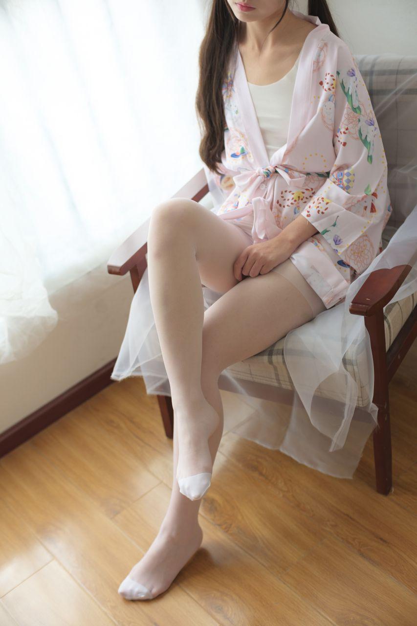 【森萝财团】森萝财团写真 – X-022 少女的清凉白丝 [90P-1V-1.58GB] X系列 第3张