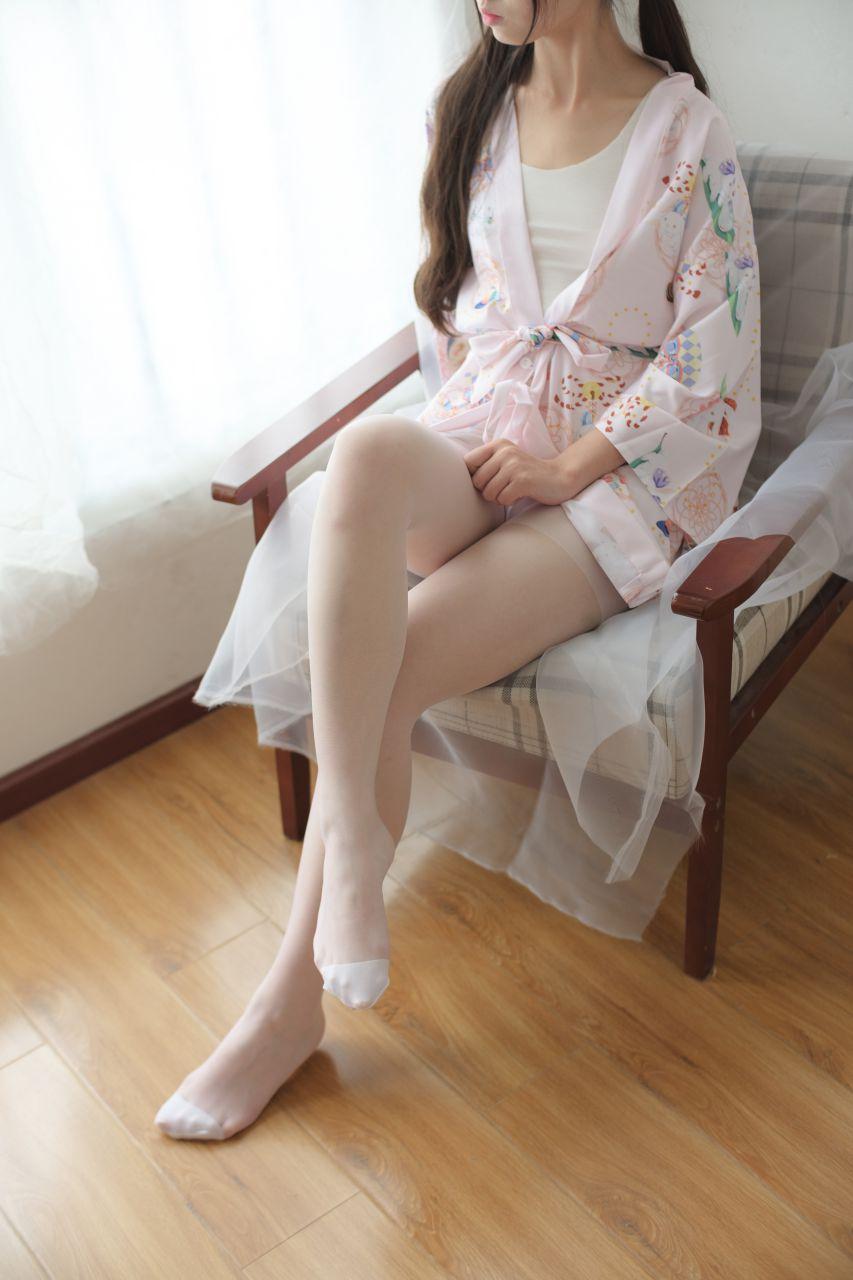【森萝财团】森萝财团写真 – X-022 少女的清凉白丝 [90P-1V-1.58GB] X系列 第2张
