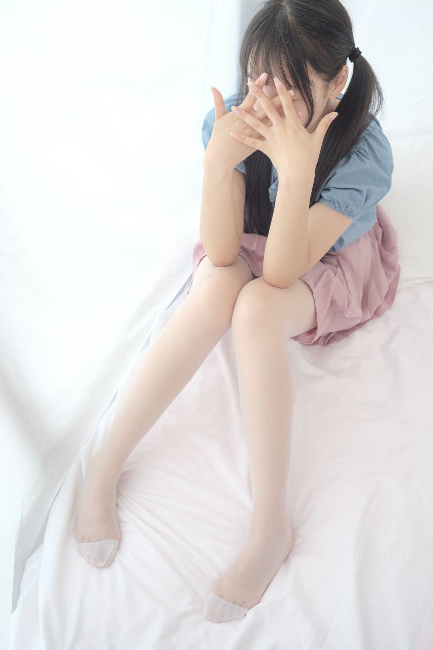 【森萝财团】森萝财团写真 – X-019 粉色短裙白丝[107P-1V-1.39GB] X系列 第2张