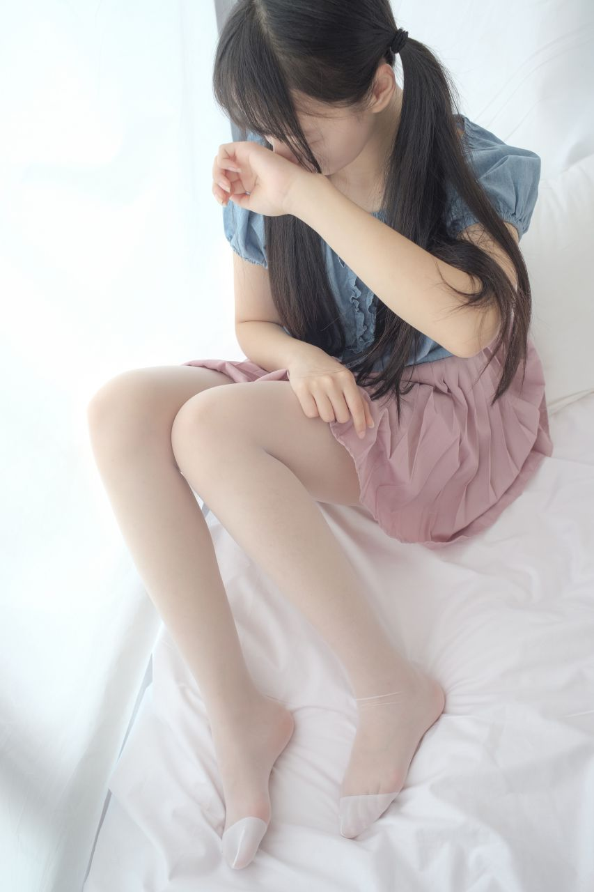 【森萝财团】森萝财团写真 – X-019 粉色短裙白丝[107P-1V-1.39GB] X系列 第1张