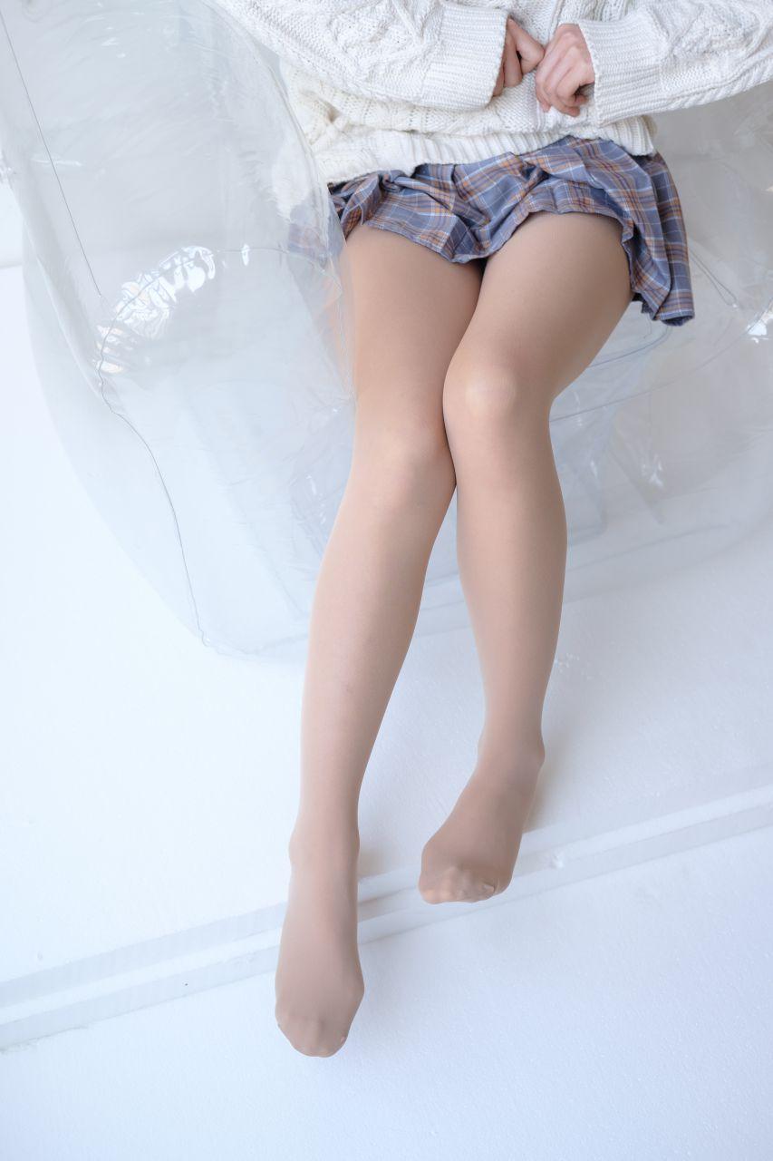 【森萝财团】森萝财团写真 – X-013 白丝裸足短袜[134P-1V-1.52GB] X系列 第2张