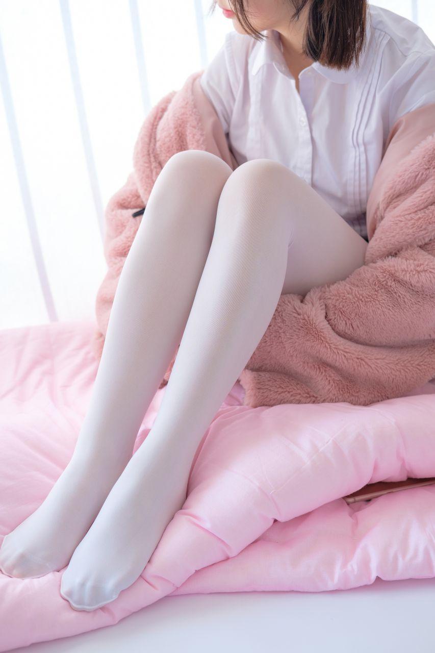 【森萝财团】森萝财团写真 – X-011 白丝裸足短裙[134P-1V-1.46GB] X系列 第1张