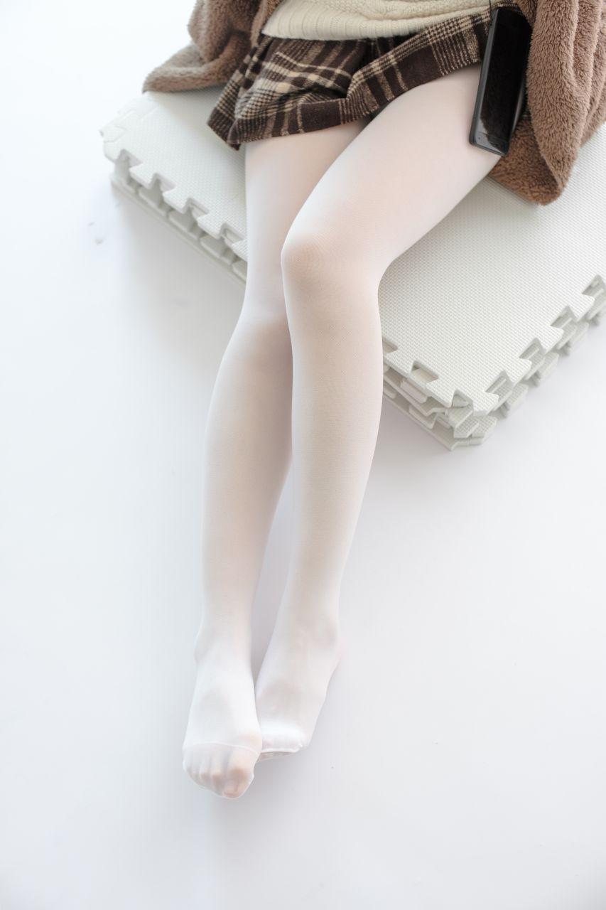 【森萝财团】森萝财团写真 – X-006 白丝·纯白诱惑 [99P-1V-1.66GB] X系列 第2张