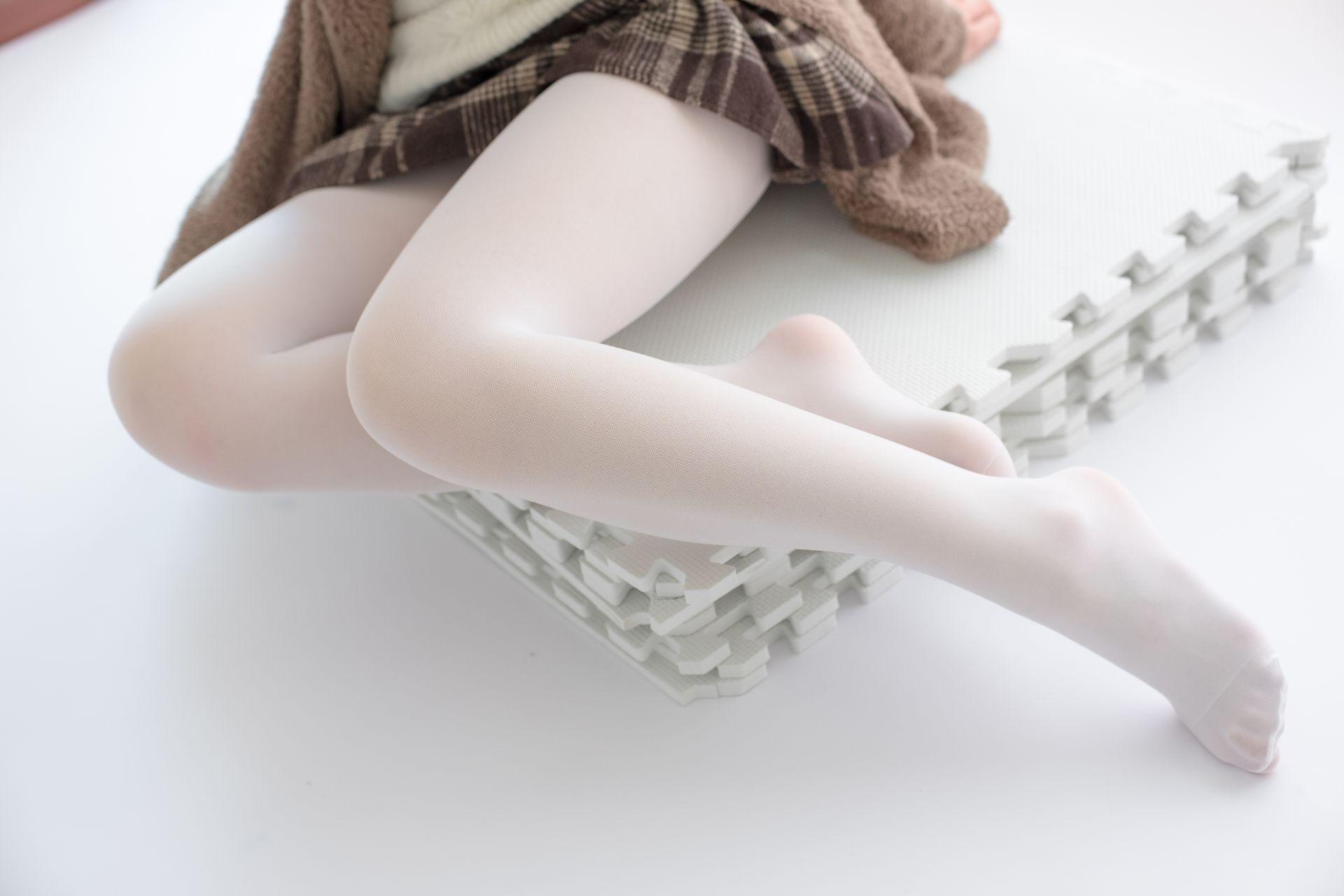 【森萝财团】森萝财团写真 – X-006 白丝·纯白诱惑 [99P-1V-1.66GB] X系列 第5张