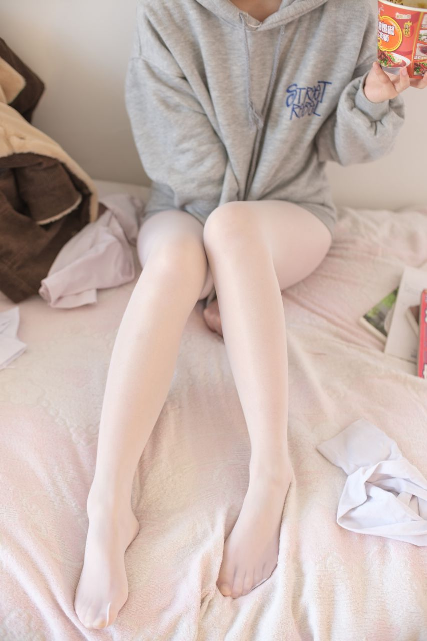 【森萝财团】森萝财团写真 – X-003 少女的肉丝诱惑 [150P-1V-1.87GB] X系列 第2张