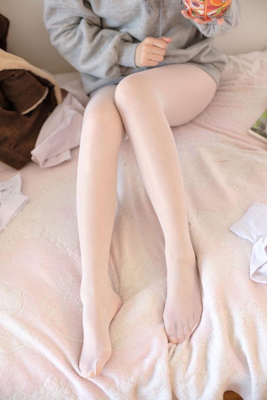 【森萝财团】森萝财团写真 – X-003 少女的肉丝诱惑 [150P-1V-1.87GB] X系列 第1张