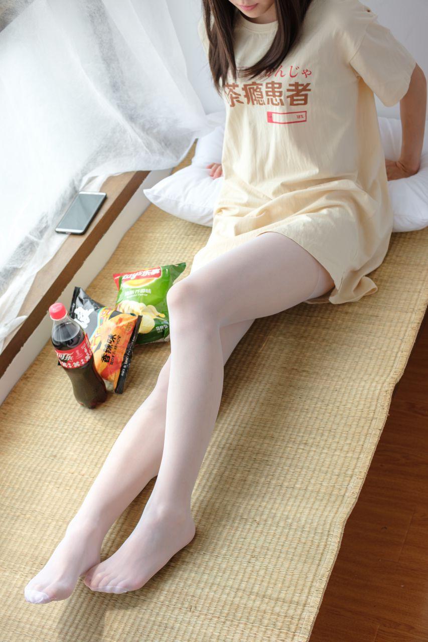 【森萝财团】森萝财团写真 - SSR-010 凉席上的白丝美足少女 [88P-978MB] SSR系列 第1张