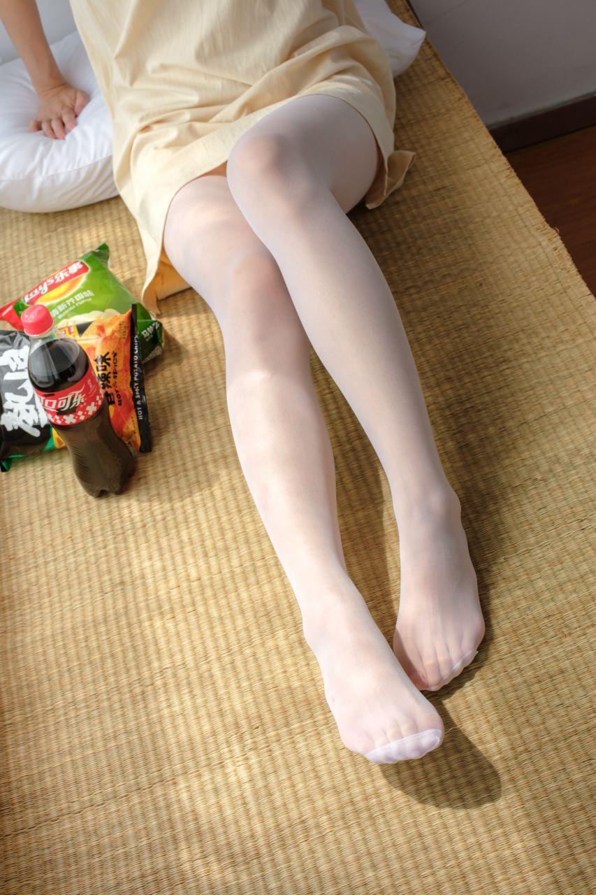 【森萝财团】森萝财团写真 - SSR-010 凉席上的白丝美足少女 [88P-978MB] SSR系列 第2张