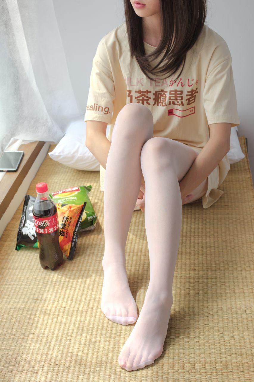 【森萝财团】森萝财团写真 - SSR-010 凉席上的白丝美足少女 [88P-978MB] SSR系列 第3张