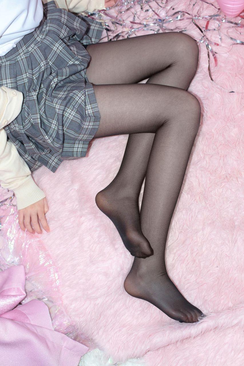 【森萝财团】森萝财团写真 – SSR-008 黑丝妹妹的闺房 [75P-619MB] SSR系列 第5张