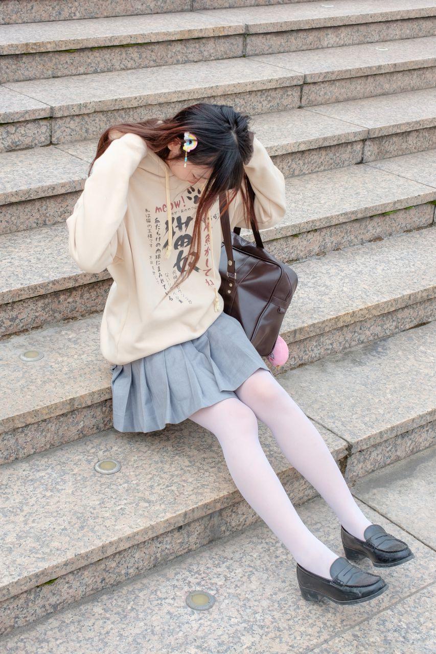 【森萝财团】森萝财团写真 - R15-040 户外白丝短裙 [131P-864MB] R15系列 第2张