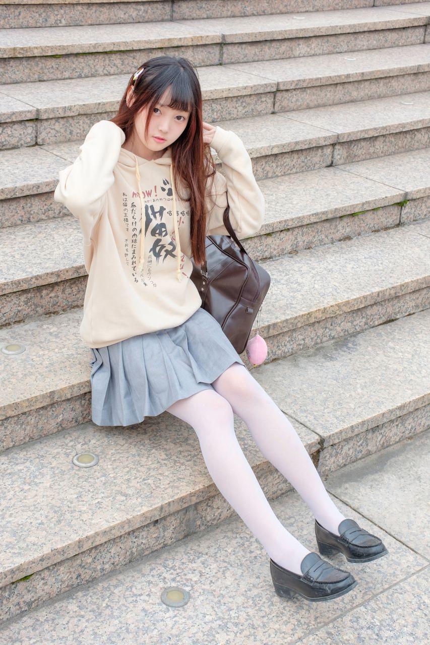 【森萝财团】森萝财团写真 - R15-040 户外白丝短裙 [131P-864MB] R15系列 第3张