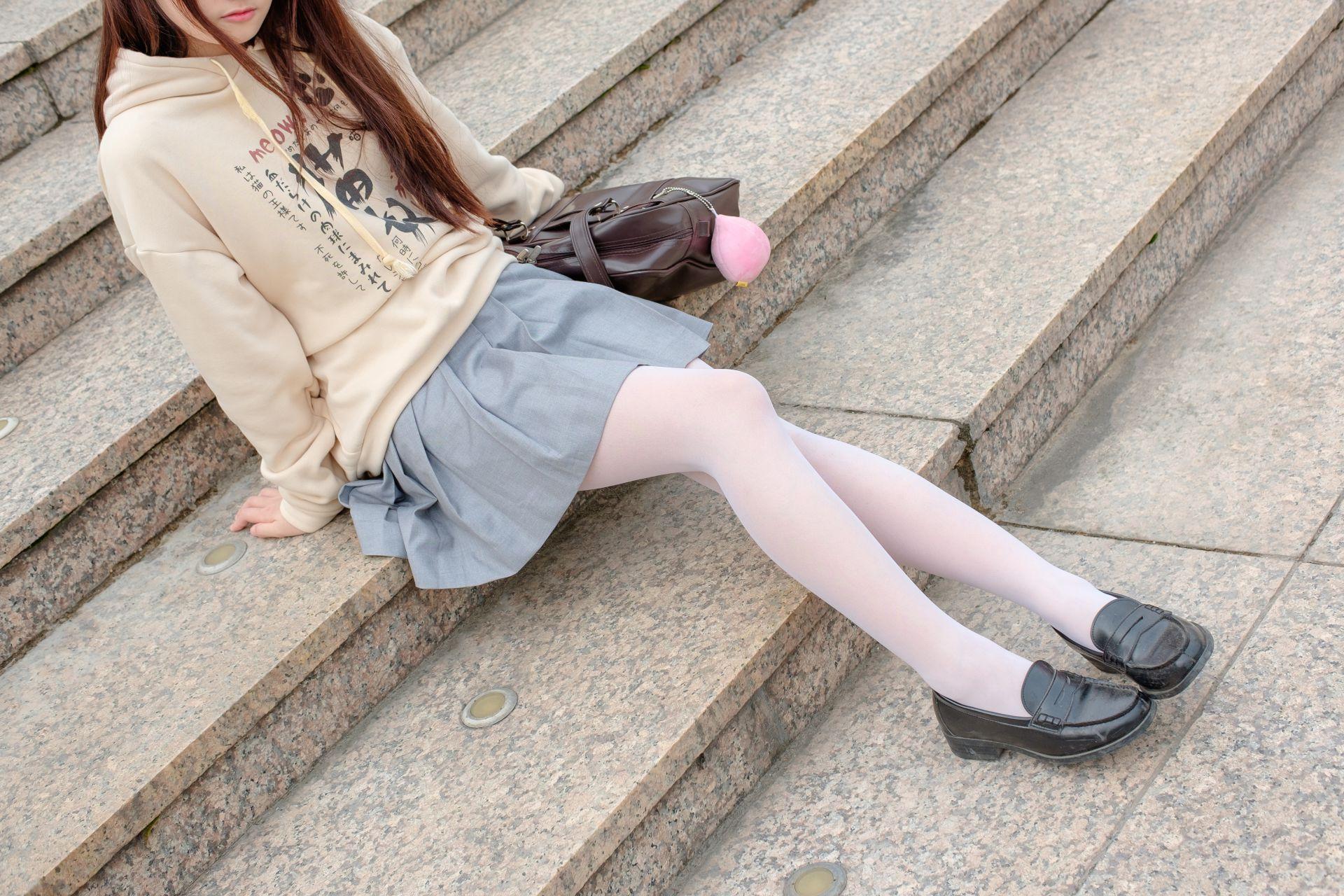 【森萝财团】森萝财团写真 - R15-040 户外白丝短裙 [131P-864MB] R15系列 第5张