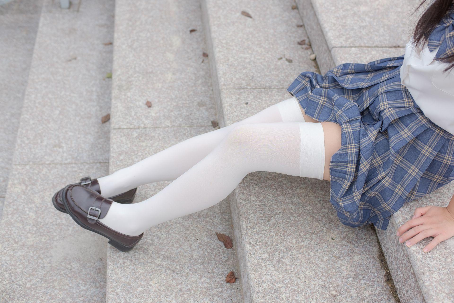 【森萝财团】森萝财团写真 - R15-039 百褶裙白丝美足 [88P-774MB] R15系列 第3张