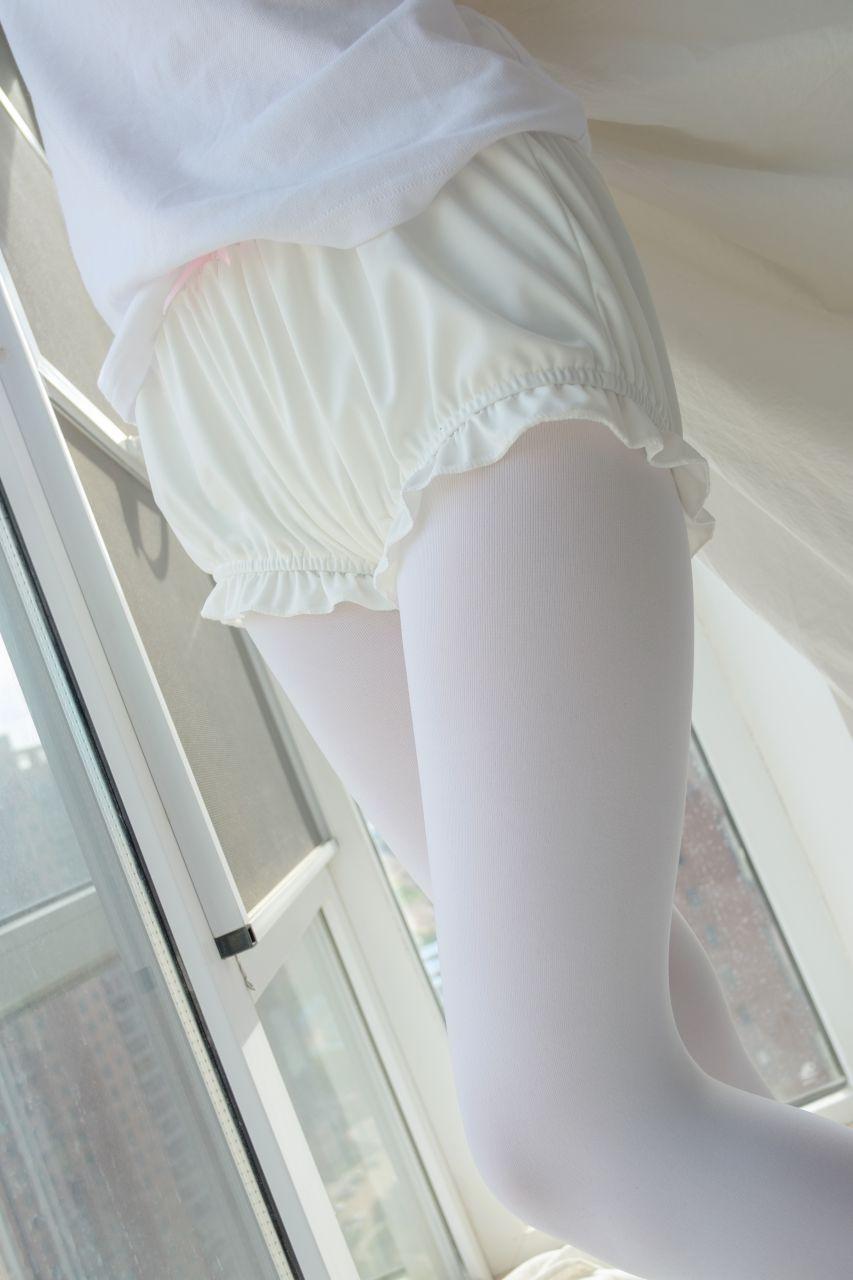 【森萝财团】森萝财团写真 - R15-018 窗台上的白丝少女 [86P-486MB] R15系列 第2张