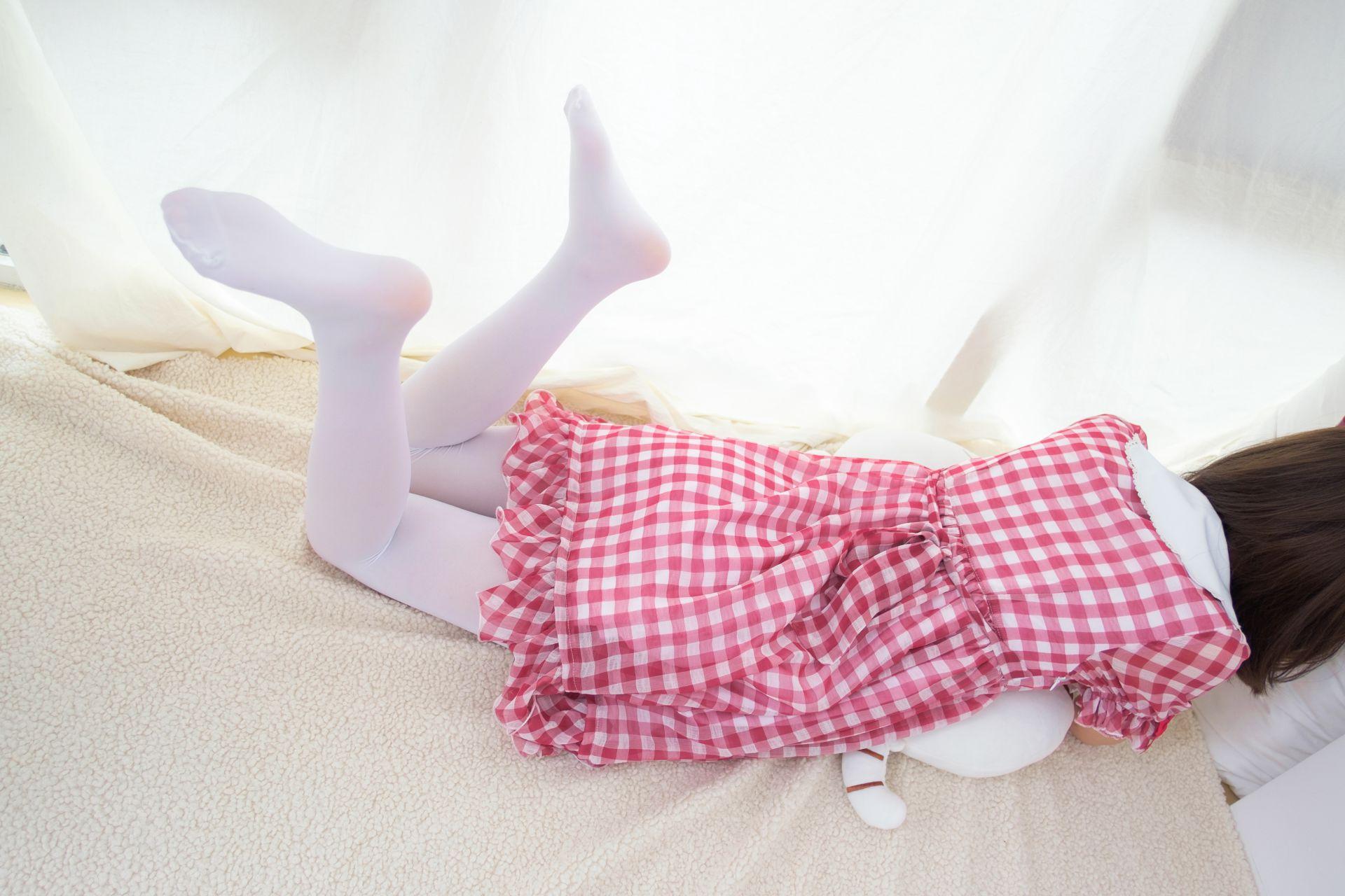 【森萝财团】森萝财团写真 - R15-011 红色格子裙白丝MM [67P-388MB] R15系列 第3张