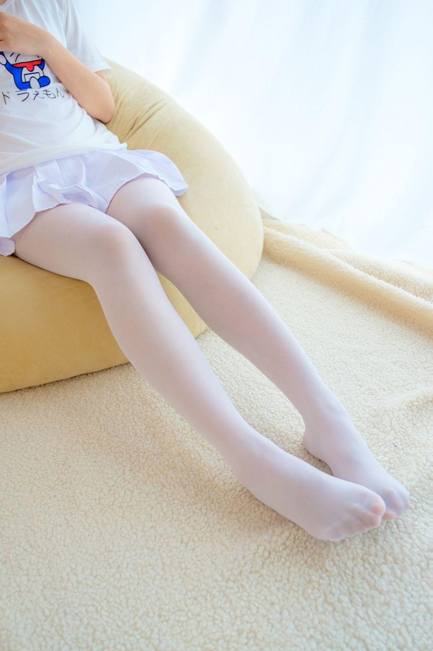 【森萝财团】森萝财团写真 - R15-006 水嫩嫩的白丝美足 [71P-408MB] R15系列 第3张