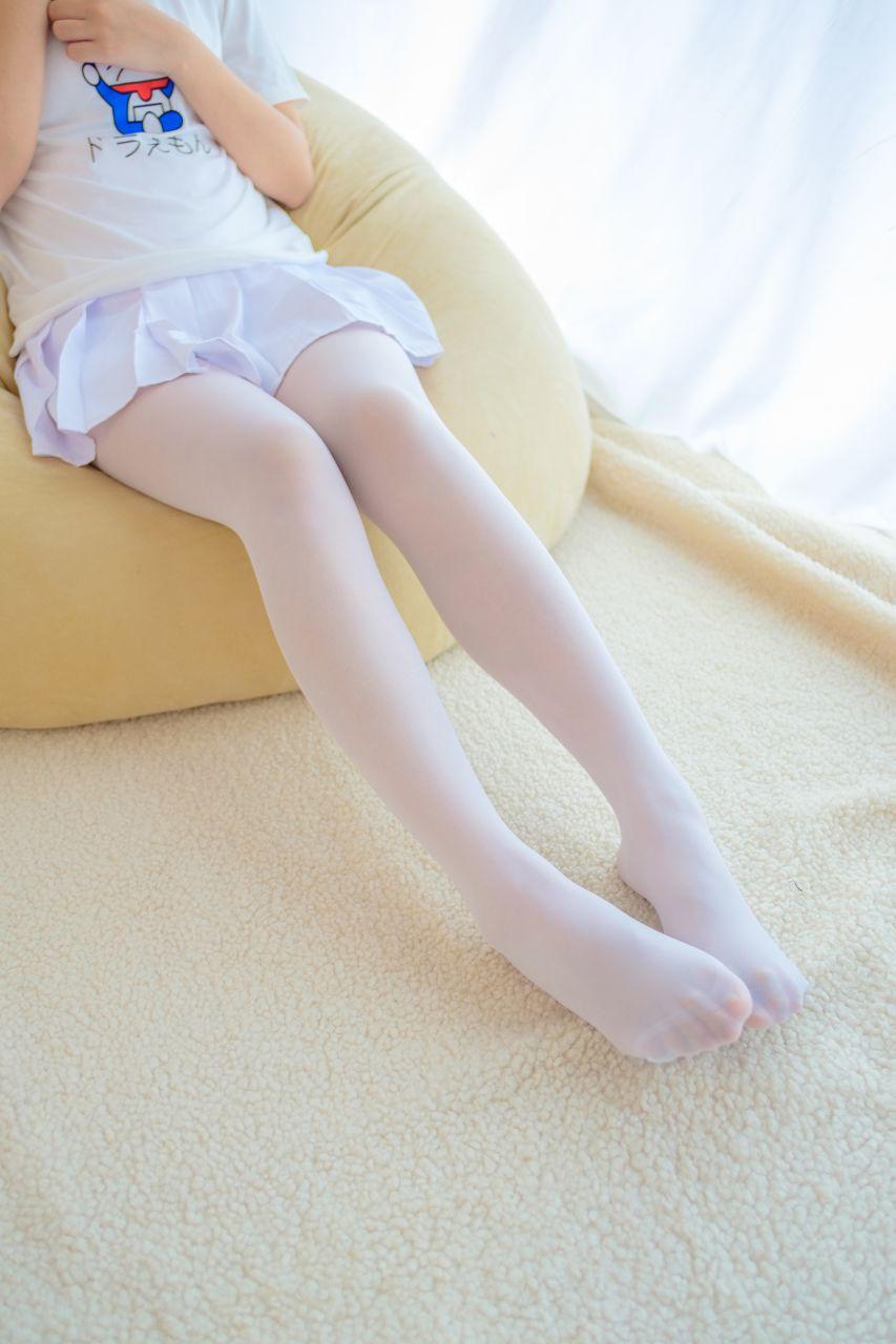 【森萝财团】森萝财团写真 - R15-006 水嫩嫩的白丝美足 [71P-408MB] R15系列 第4张