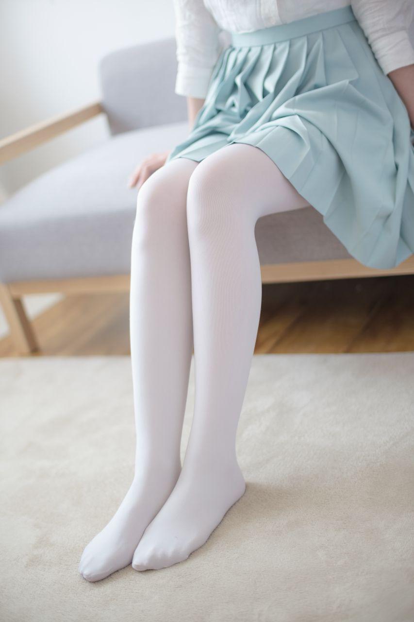 【森萝财团】森萝财团写真 - R15-003 水嫩白丝 [94P-535MB] R15系列 第1张