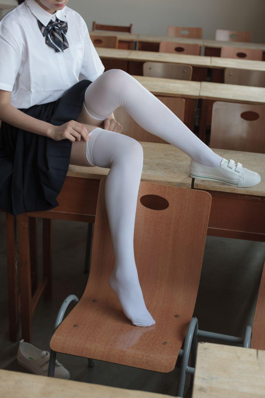 【森萝财团】森萝财团写真 - BETA-022 教室里的JK白丝少女 [66P-638MB] BETA系列 第1张