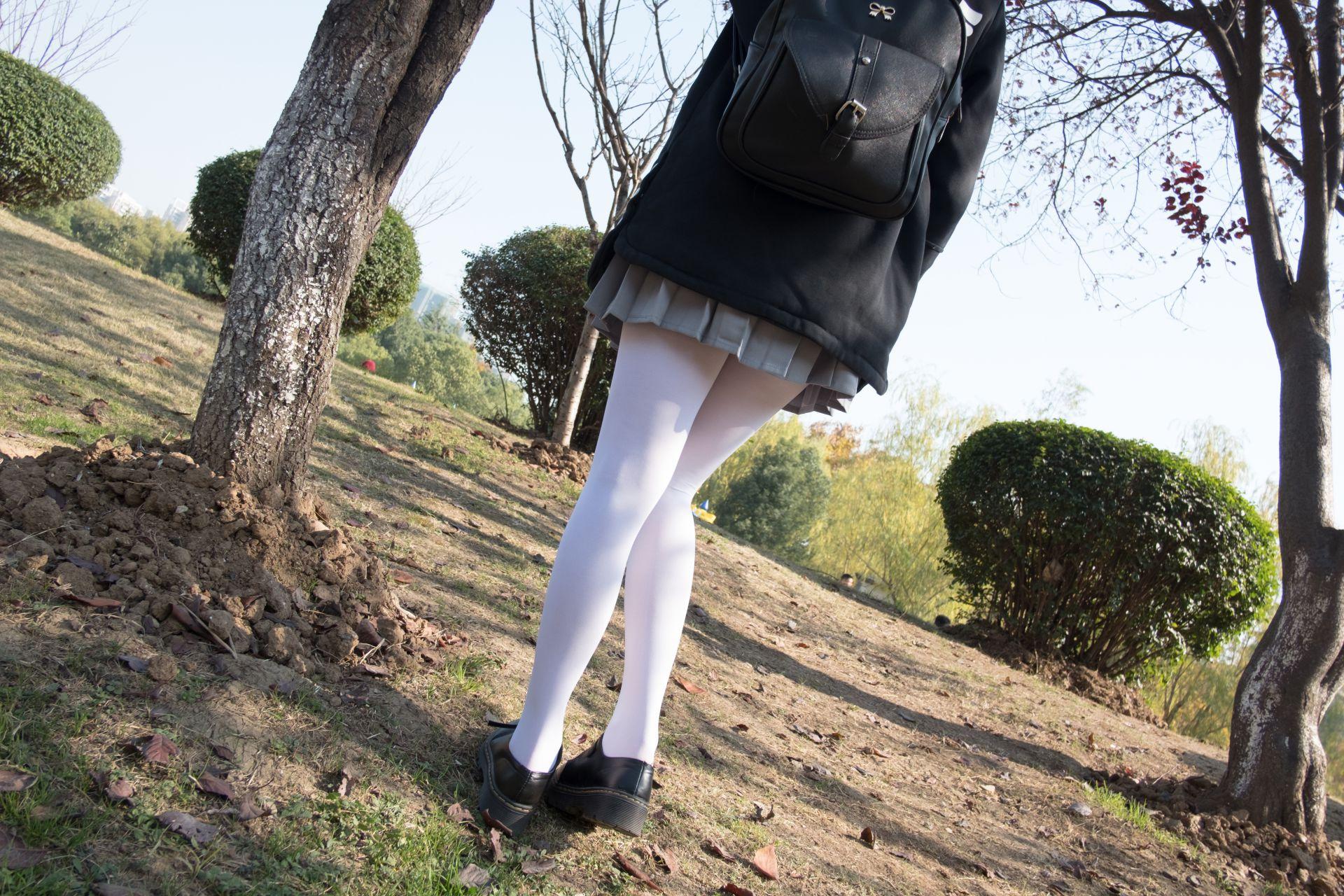 【森萝财团】森萝财团写真 - BETA-012 户外丝足秀 [63P-407MB] BETA系列 第5张