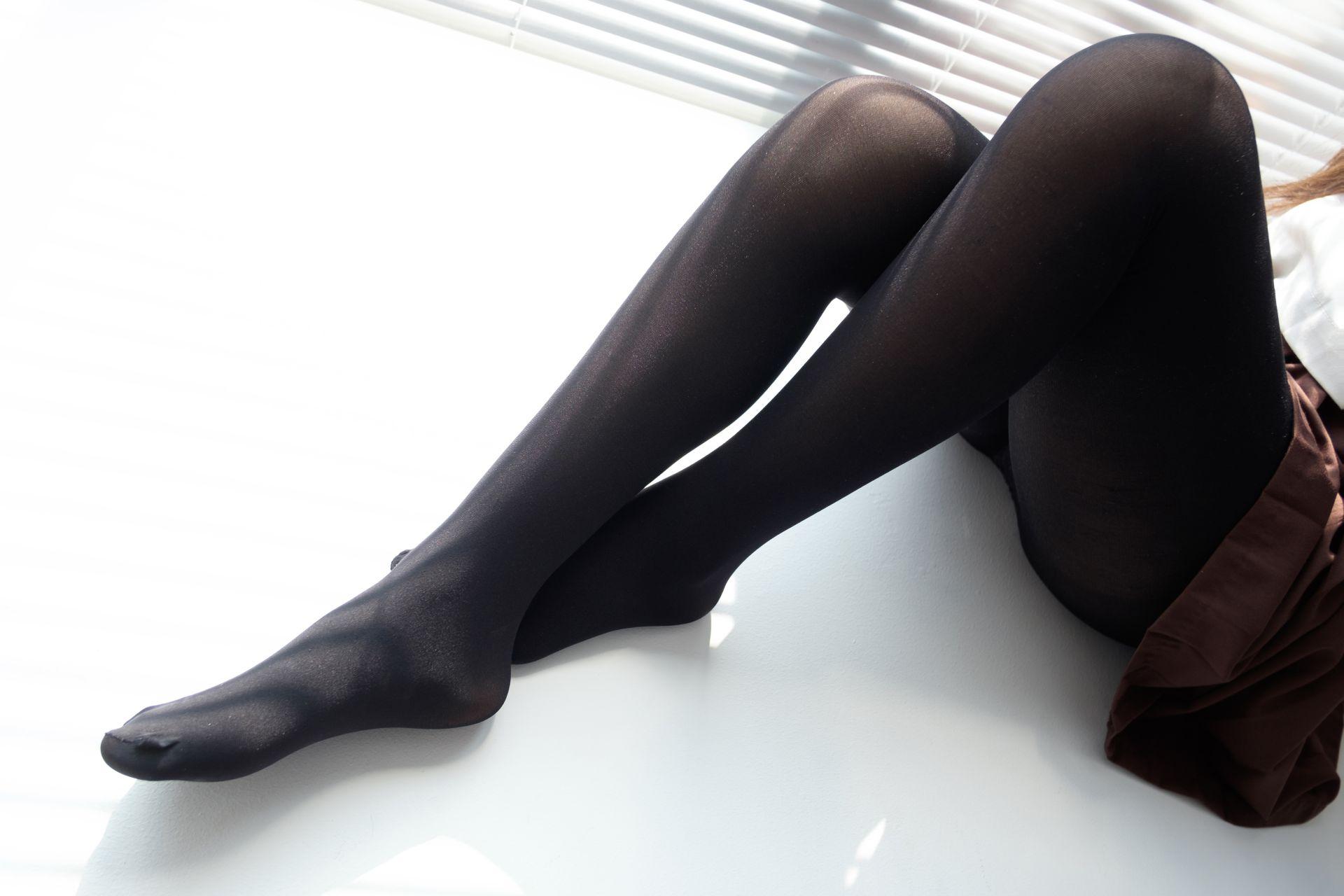 【森萝财团】森萝财团写真 - BETA-011 JK黑丝美足 [68P-303MB] BETA系列 第3张