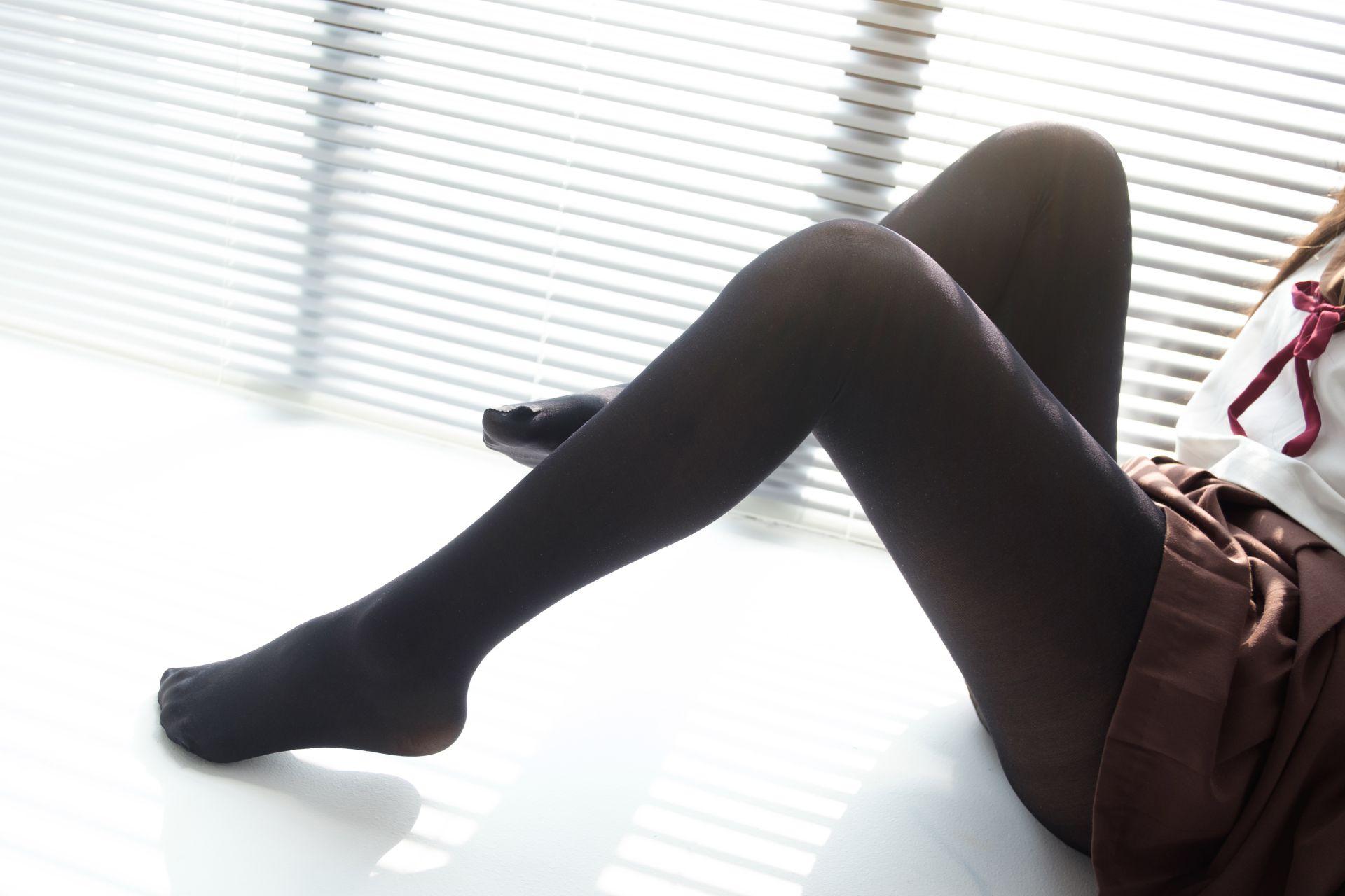 【森萝财团】森萝财团写真 - BETA-011 JK黑丝美足 [68P-303MB] BETA系列 第4张
