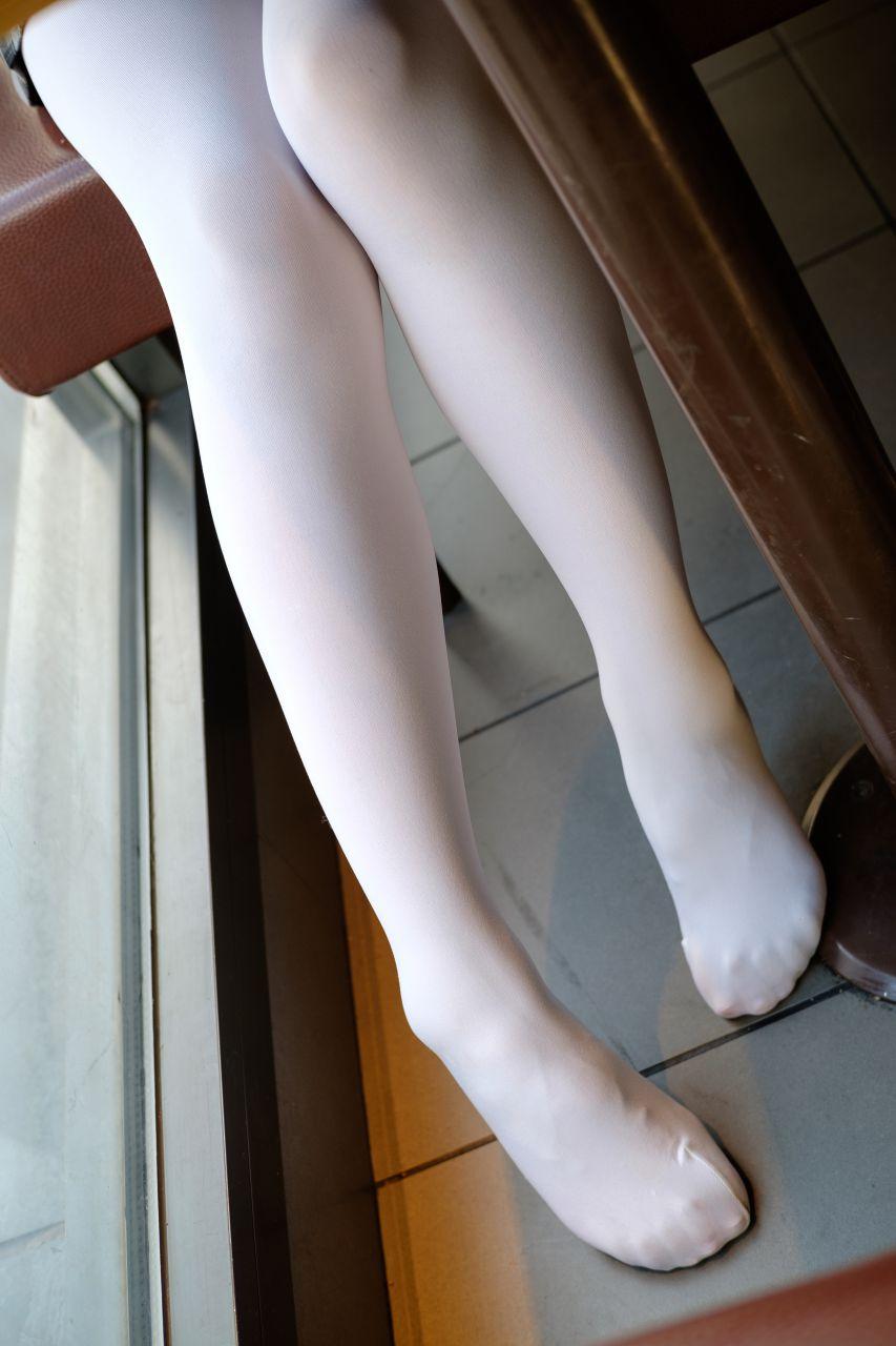 【森萝财团】森萝财团写真 - BETA-006黑丝白丝外拍 [101P-683MB] BETA系列 第1张