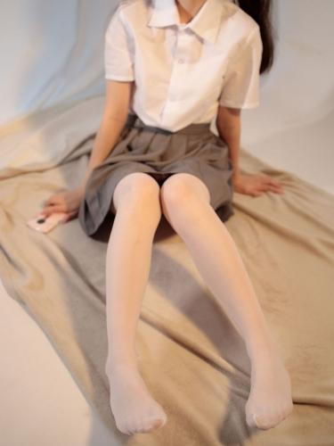【森萝财团】 森萝财团写真 – JKFUN-052 白丝网鞋合辑 13D白丝 默陌+芝士 [104P-2V-3.44GB]