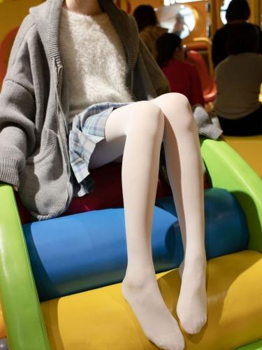 【森萝财团】森萝财团写真 – X-047 儿童乐园里的JK少女 [141P-1V-2.85GB]