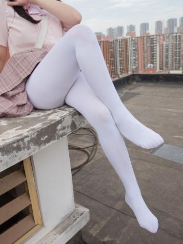 【森萝财团】森萝财团写真 – [BETA-001] 高中生的户外白丝 [91P-514MB]