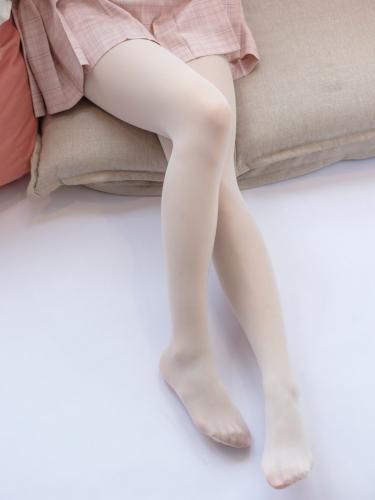 【森萝财团】森萝财团写真 – SSR-012 奶白超滑丝袜 [91P-998MB]