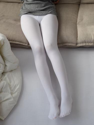 【森萝财团】爱花写真-ALPHA-016 青涩性感的美少女 [143P-1.87GB]