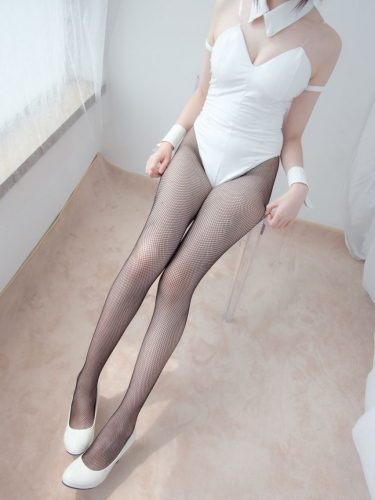【森萝财团】森萝财团写真 – LOVEPLUS-001 黑丝网袜兔女郎 [148P2V-3.22GB]