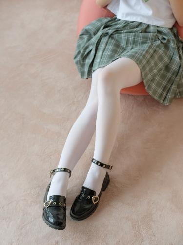 【森萝财团】森萝财团写真 – BETA-023 JK白丝少女的美足 [225P-1.77GB]
