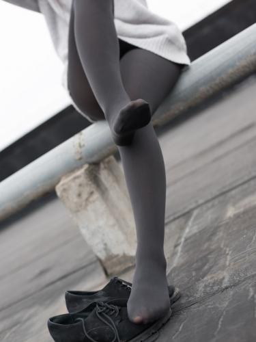 【森萝财团】森萝财团写真 – BETA-007楼梯间的黑丝小妹 [47P-285MB]