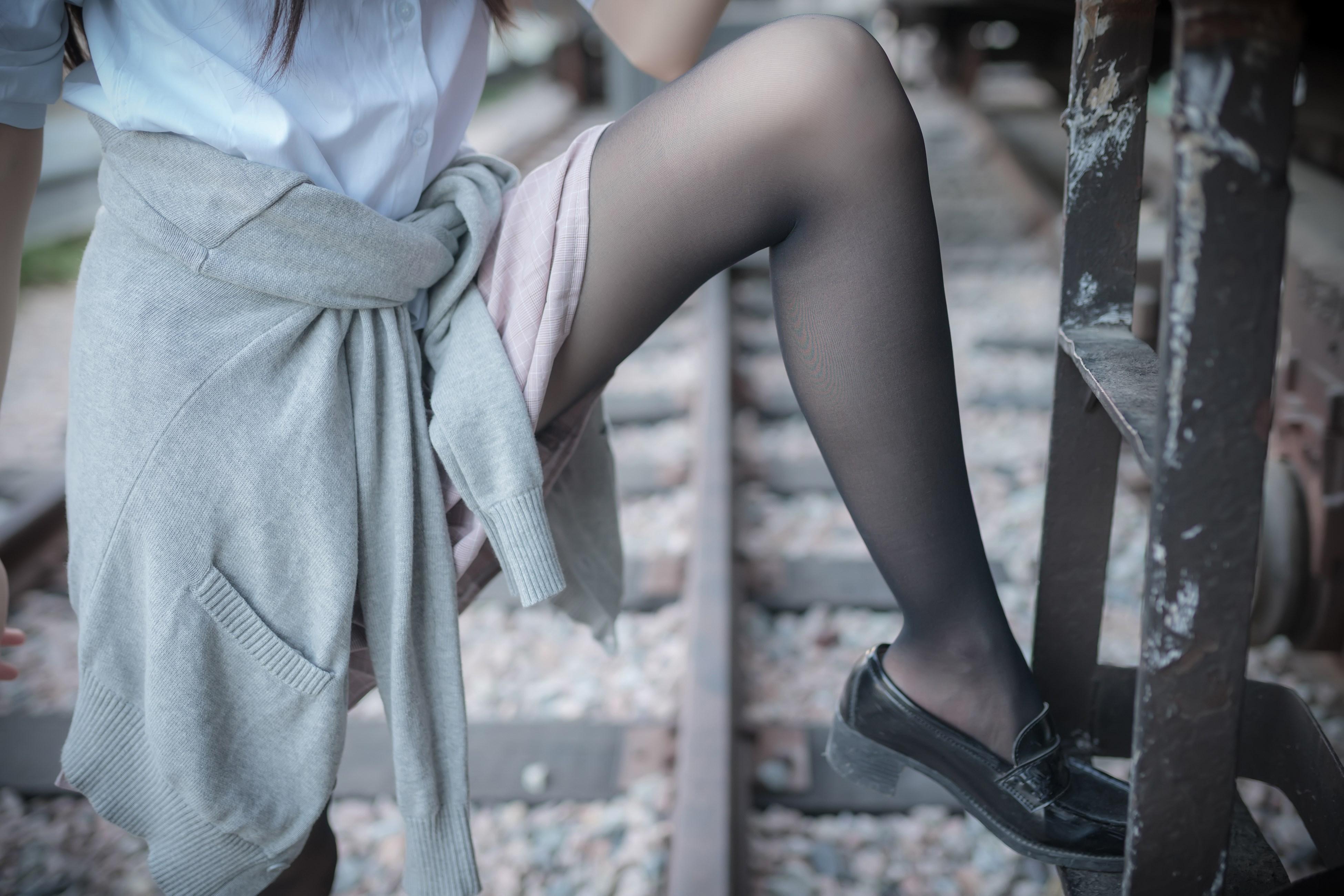 【兔玩映画】铁轨旁的小细腿 兔玩映画 第49张