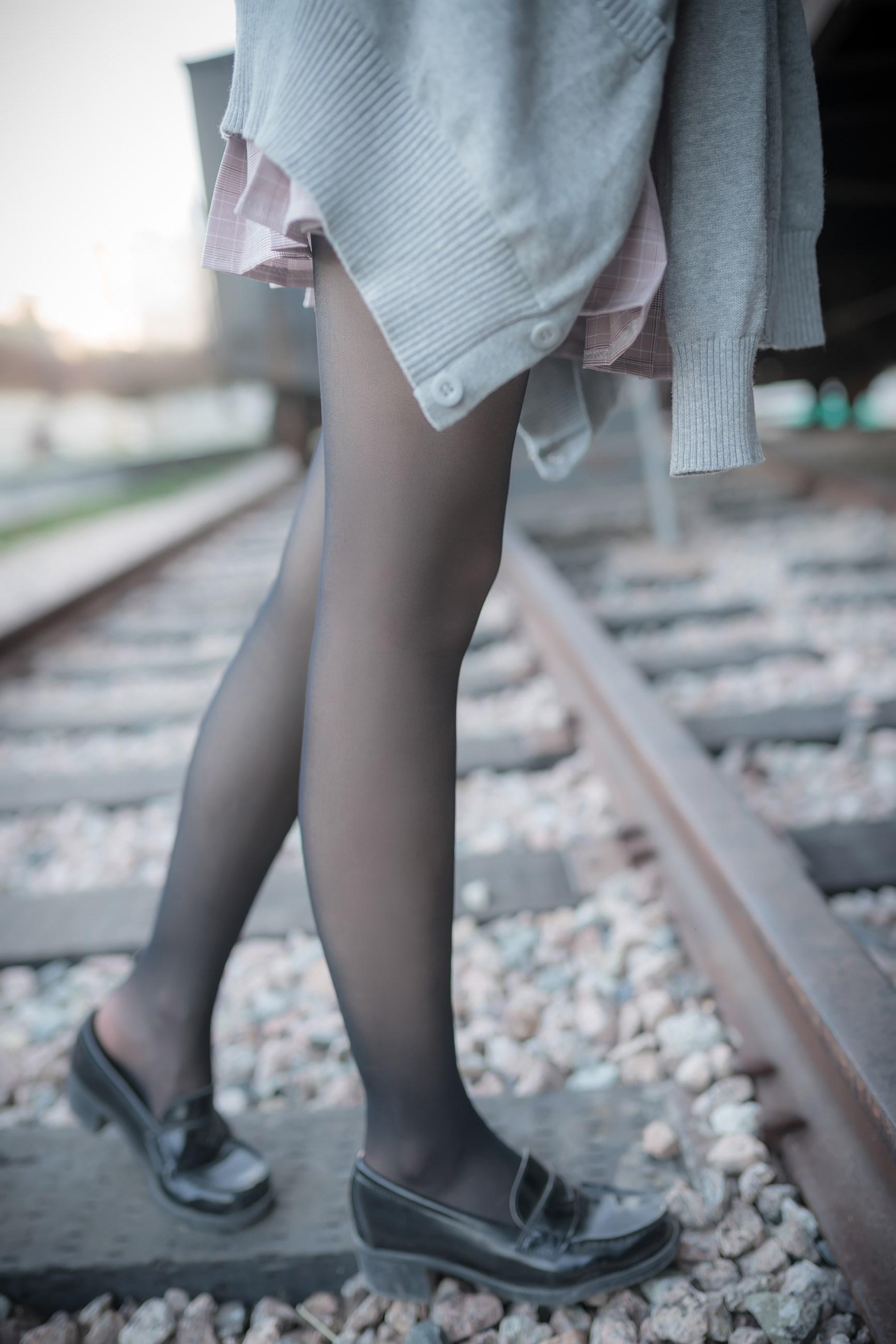【兔玩映画】铁轨旁的小细腿 兔玩映画 第50张