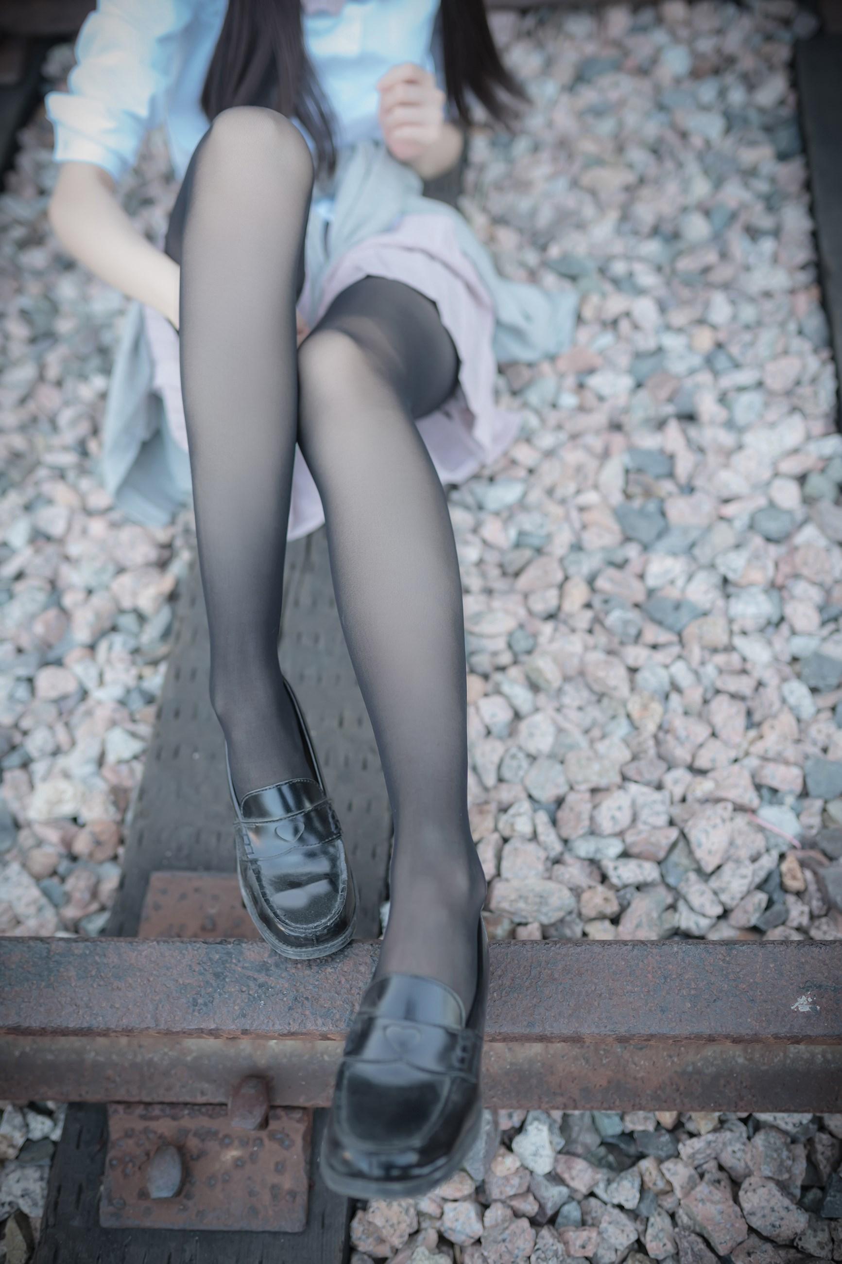 【兔玩映画】铁轨旁的小细腿 兔玩映画 第45张