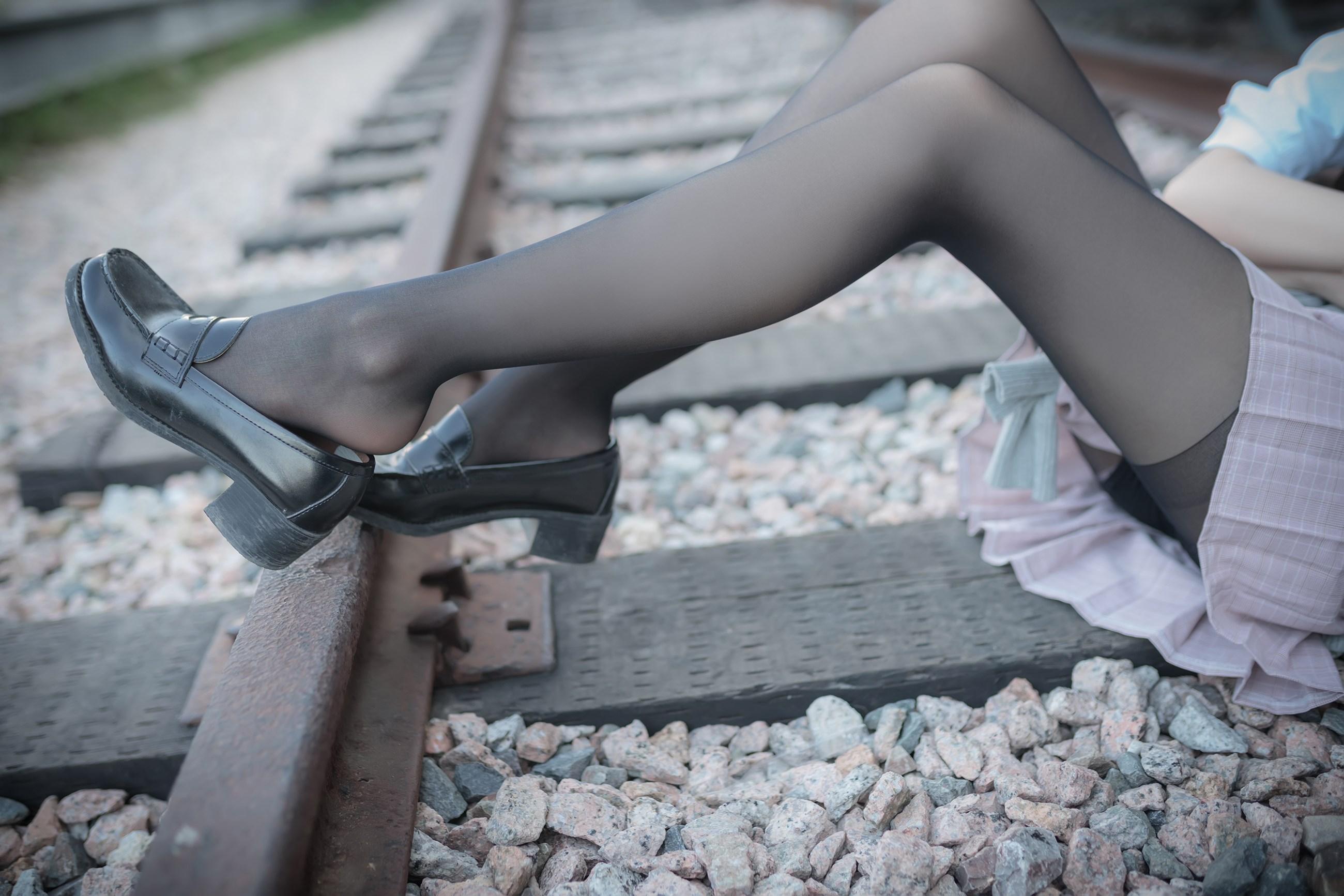 【兔玩映画】铁轨旁的小细腿 兔玩映画 第46张