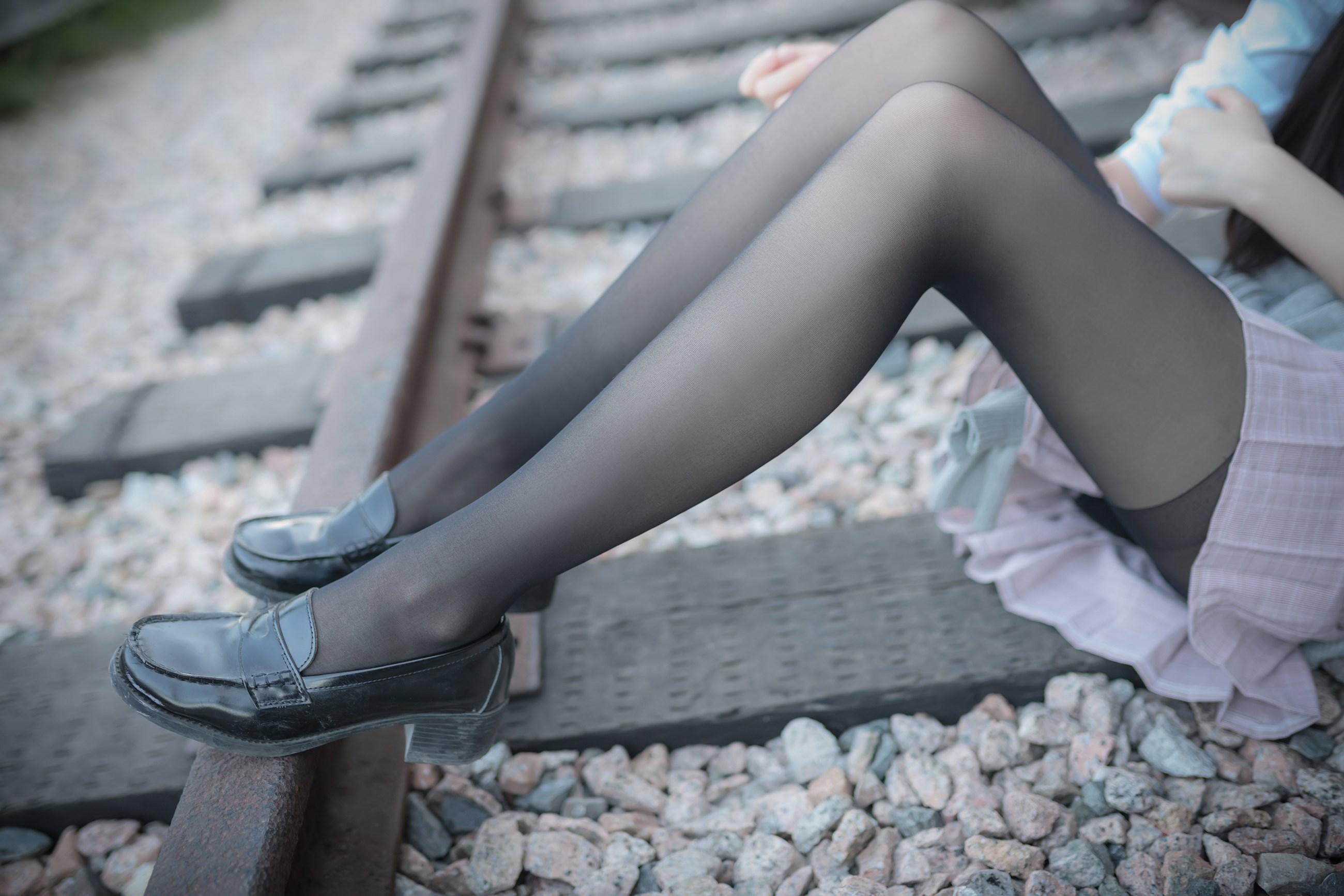 【兔玩映画】铁轨旁的小细腿 兔玩映画 第44张