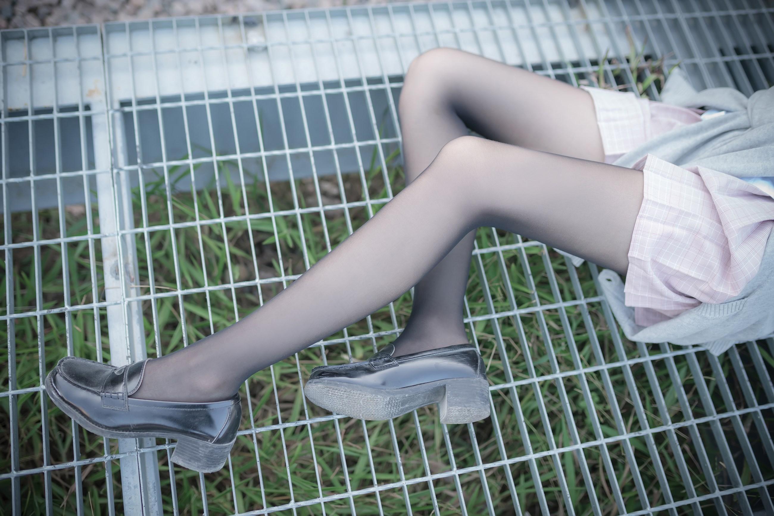 【兔玩映画】铁轨旁的小细腿 兔玩映画 第38张