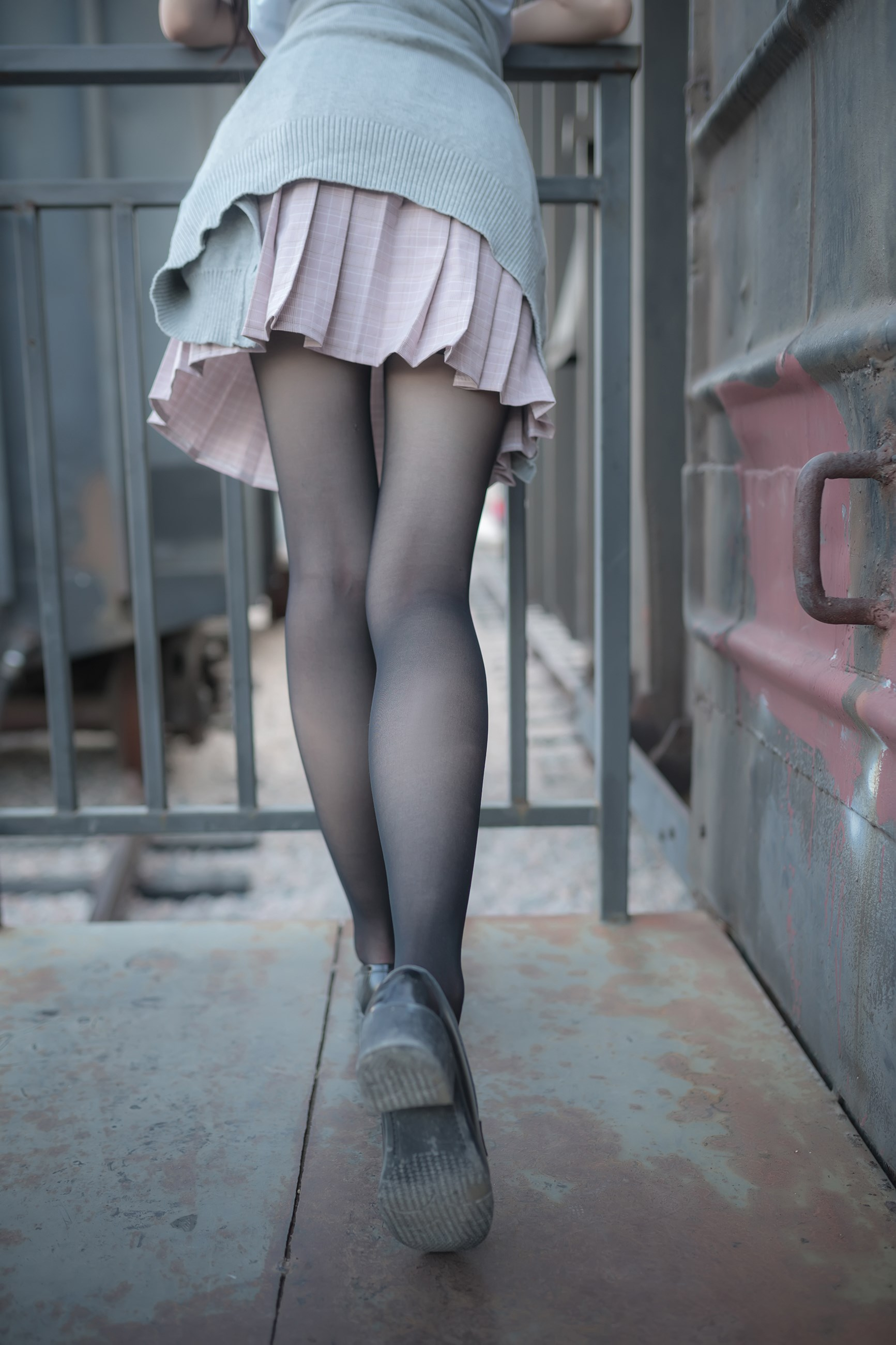 【兔玩映画】铁轨旁的小细腿 兔玩映画 第23张