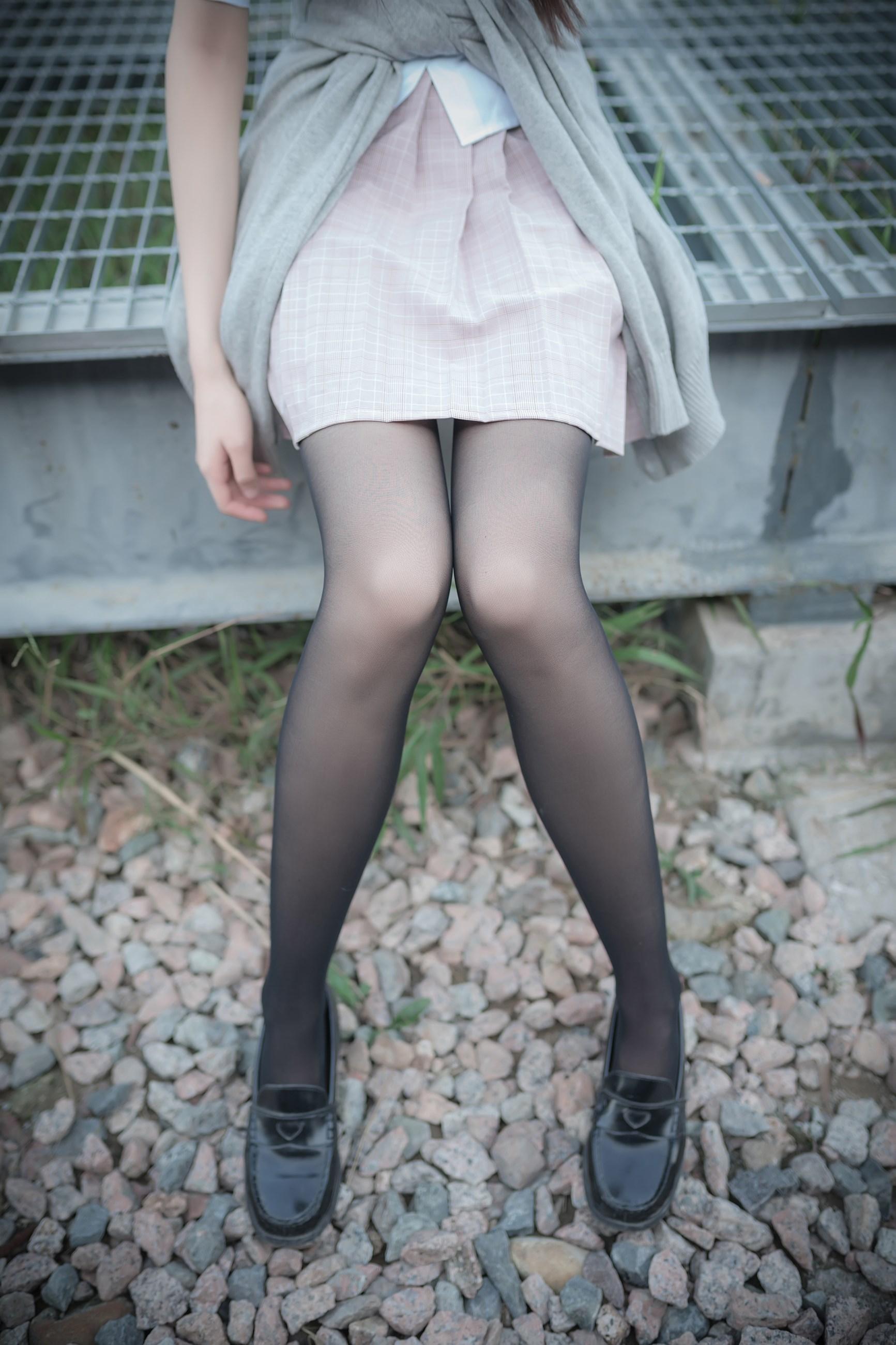 【兔玩映画】铁轨旁的小细腿 兔玩映画 第24张
