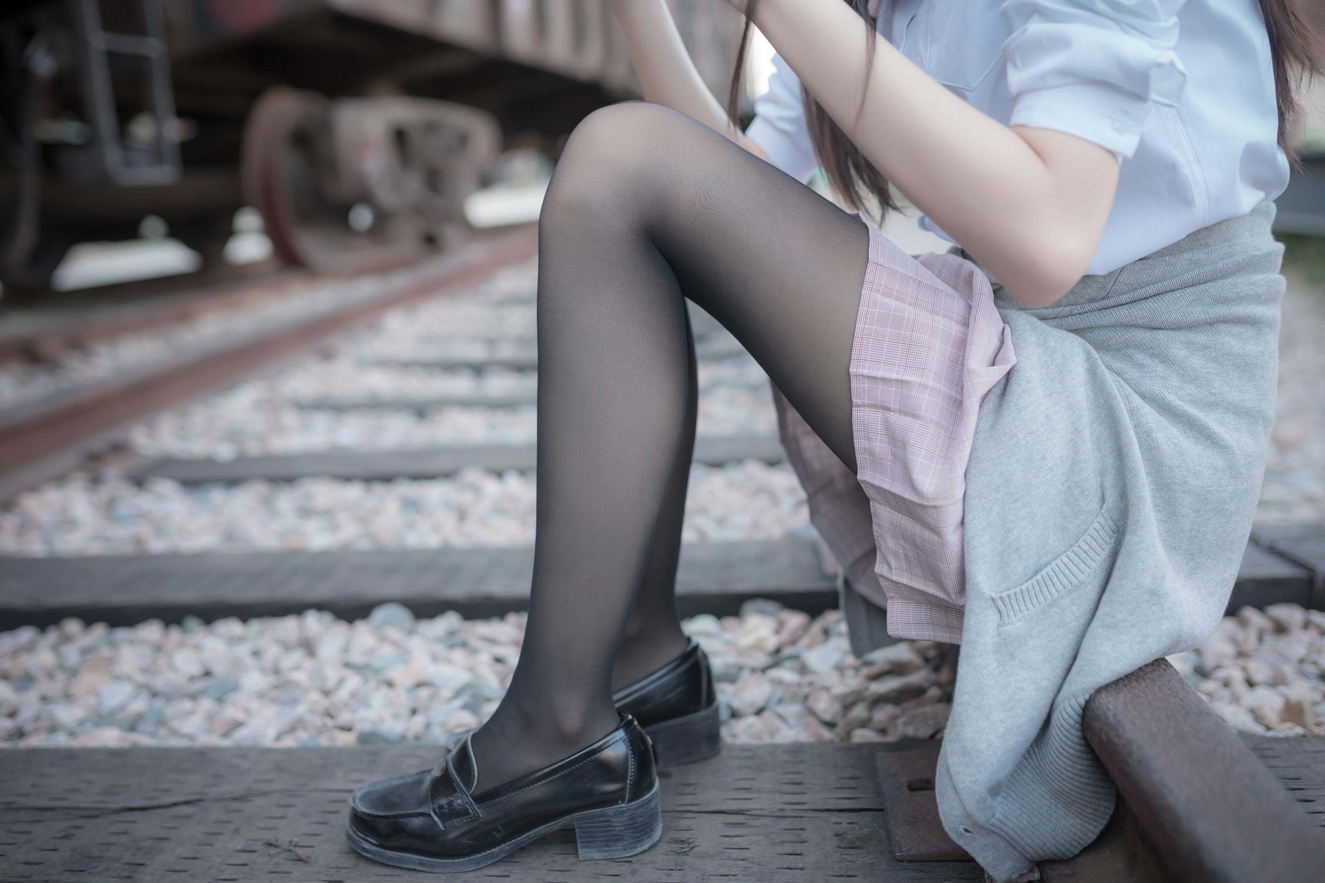 【兔玩映画】铁轨旁的小细腿 兔玩映画 第13张