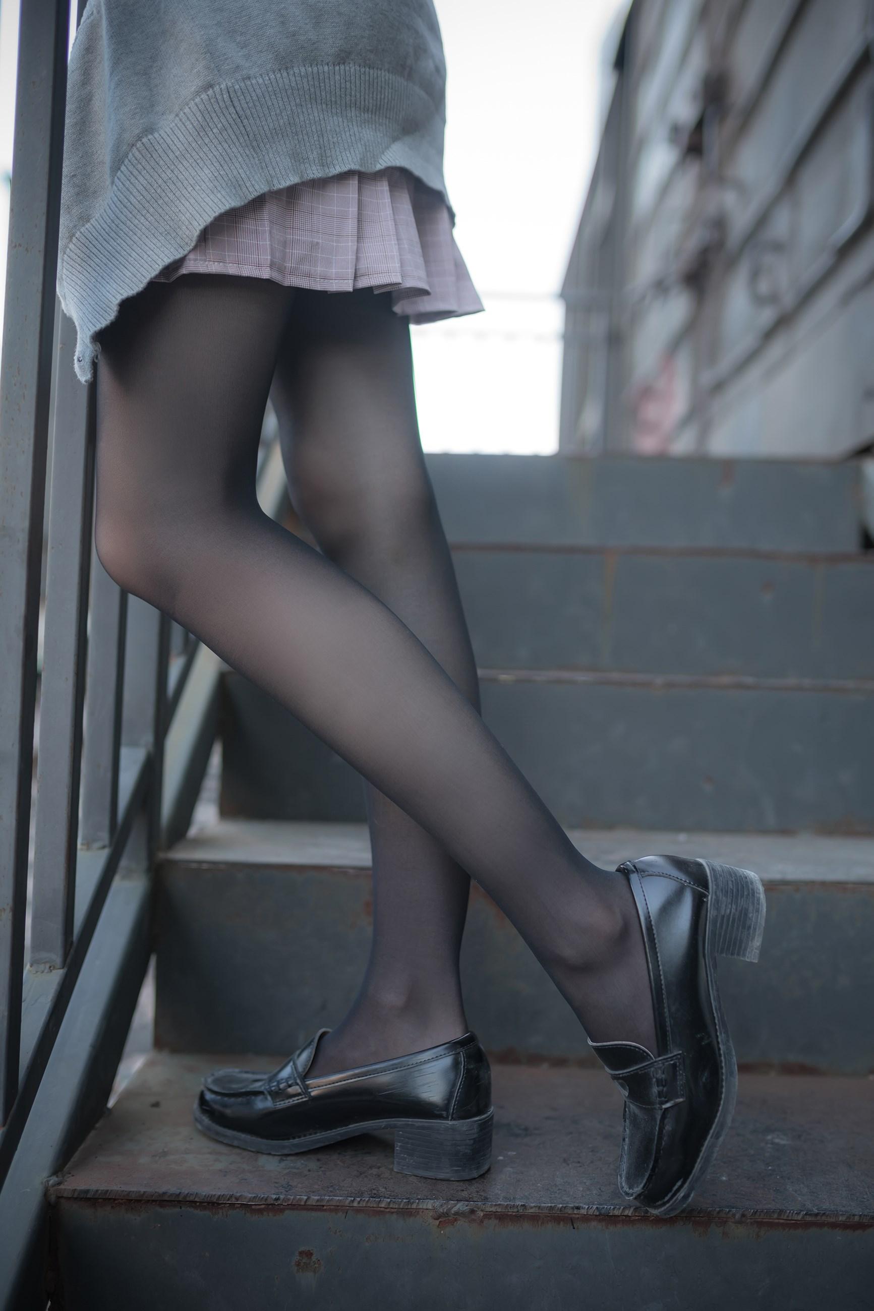 【兔玩映画】铁轨旁的小细腿 兔玩映画 第14张