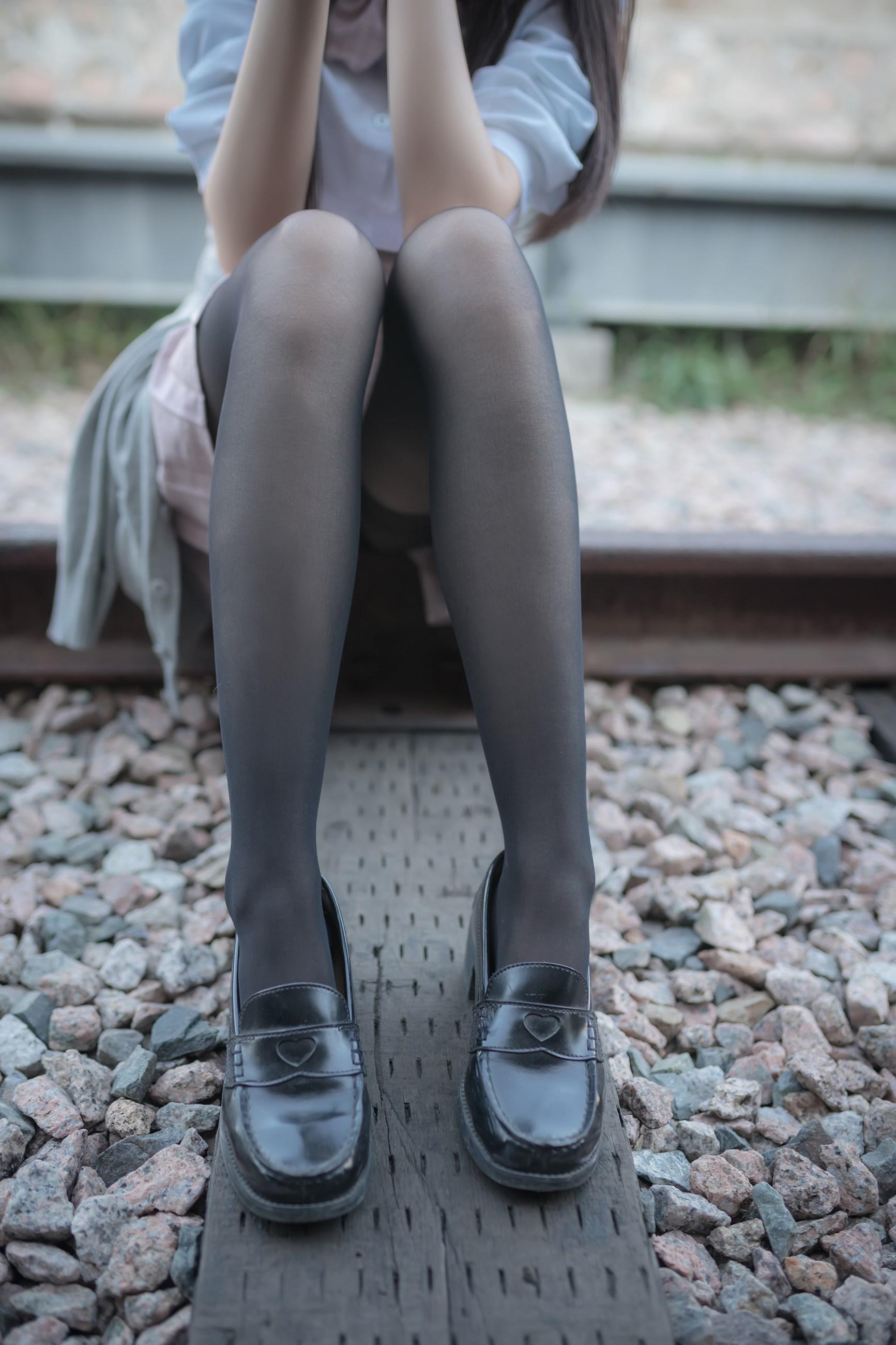 【兔玩映画】铁轨旁的小细腿 兔玩映画 第10张