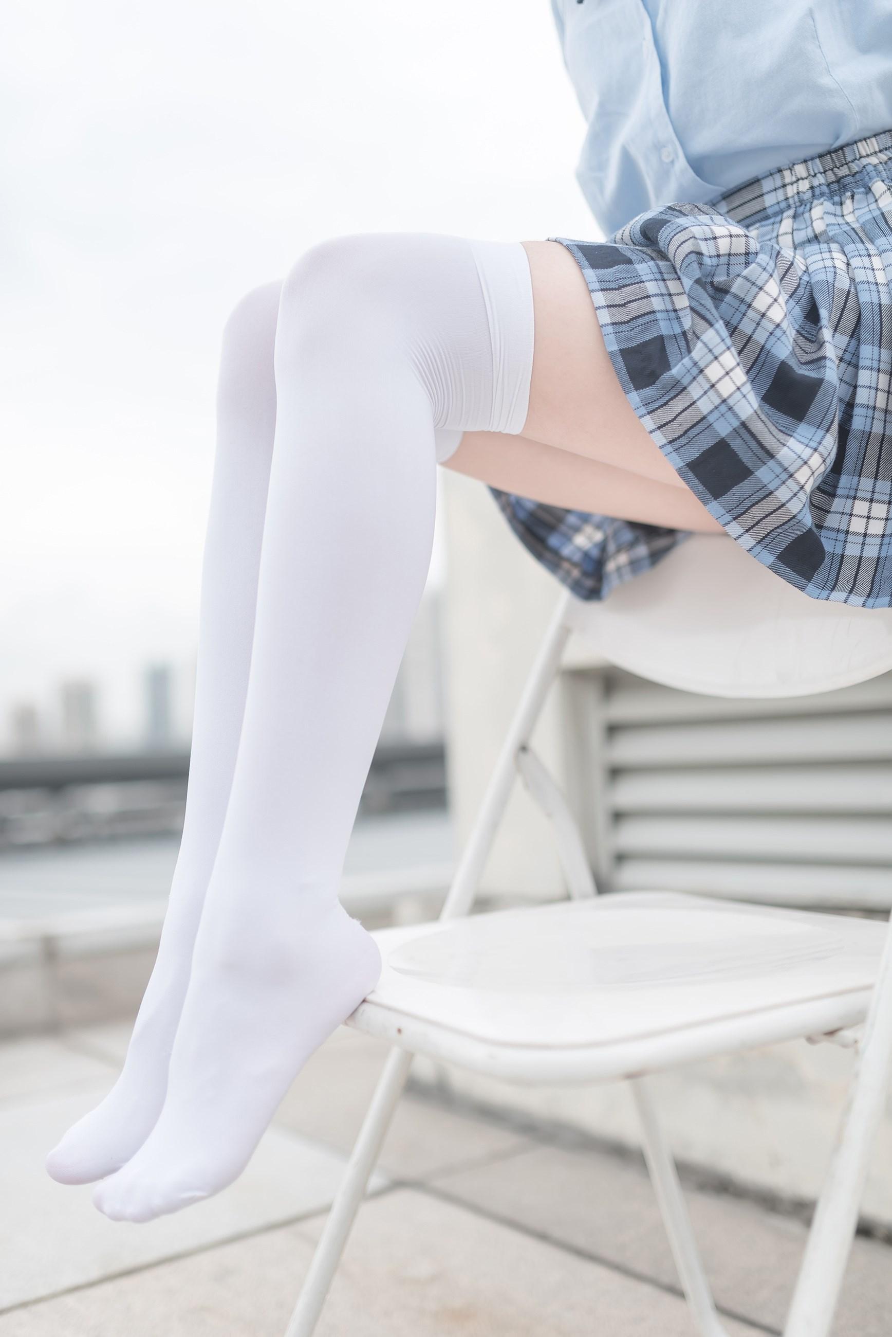 【兔玩映画】白丝格裙 兔玩映画 第1张
