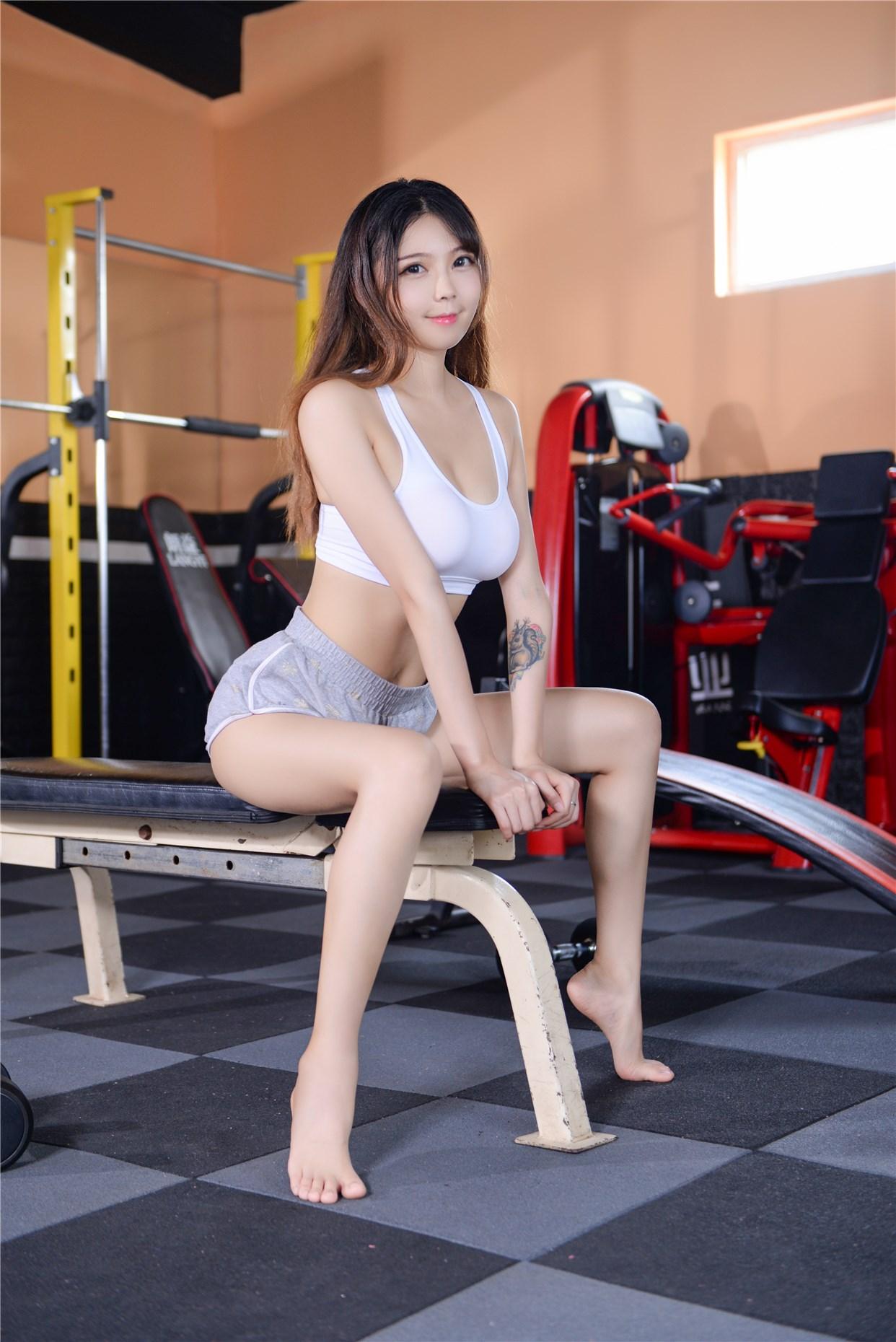 【兔玩映画】健身房的美少女 兔玩映画 第13张