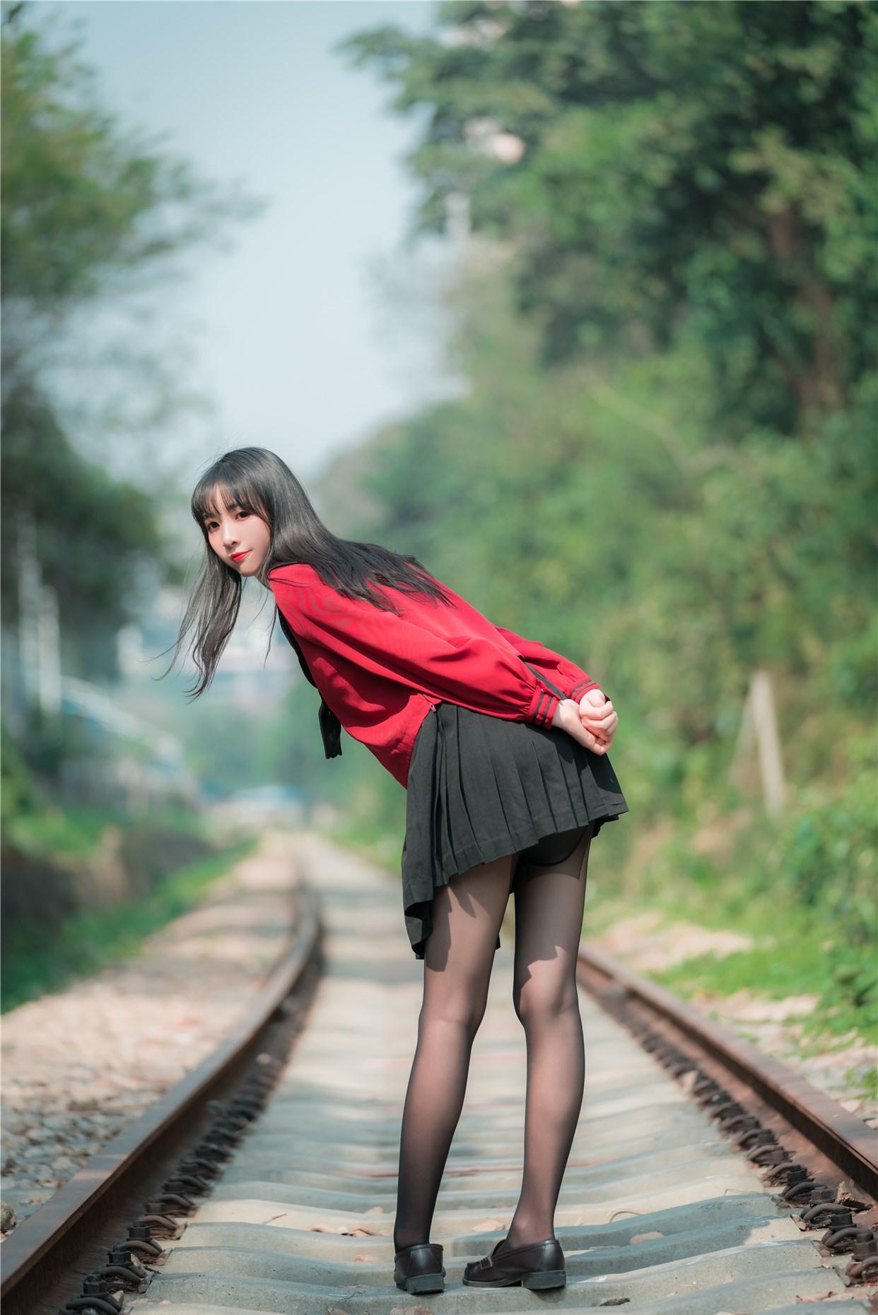 【兔玩映画】奔跑的红色JK 兔玩映画 第1张